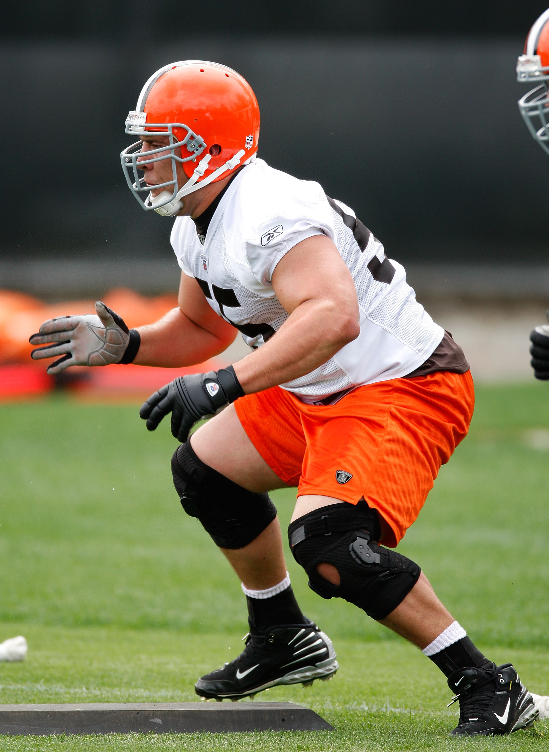 BEREA, OH - MAY 02:  Alex Mack #55 of the Cleveland Browns runs through a drill during rookie mini camp at the Cleveland Browns Training and Administrative Complex on May 2, 2009 in Berea, Ohio.  (Photo by Gregory Shamus/Getty Images)