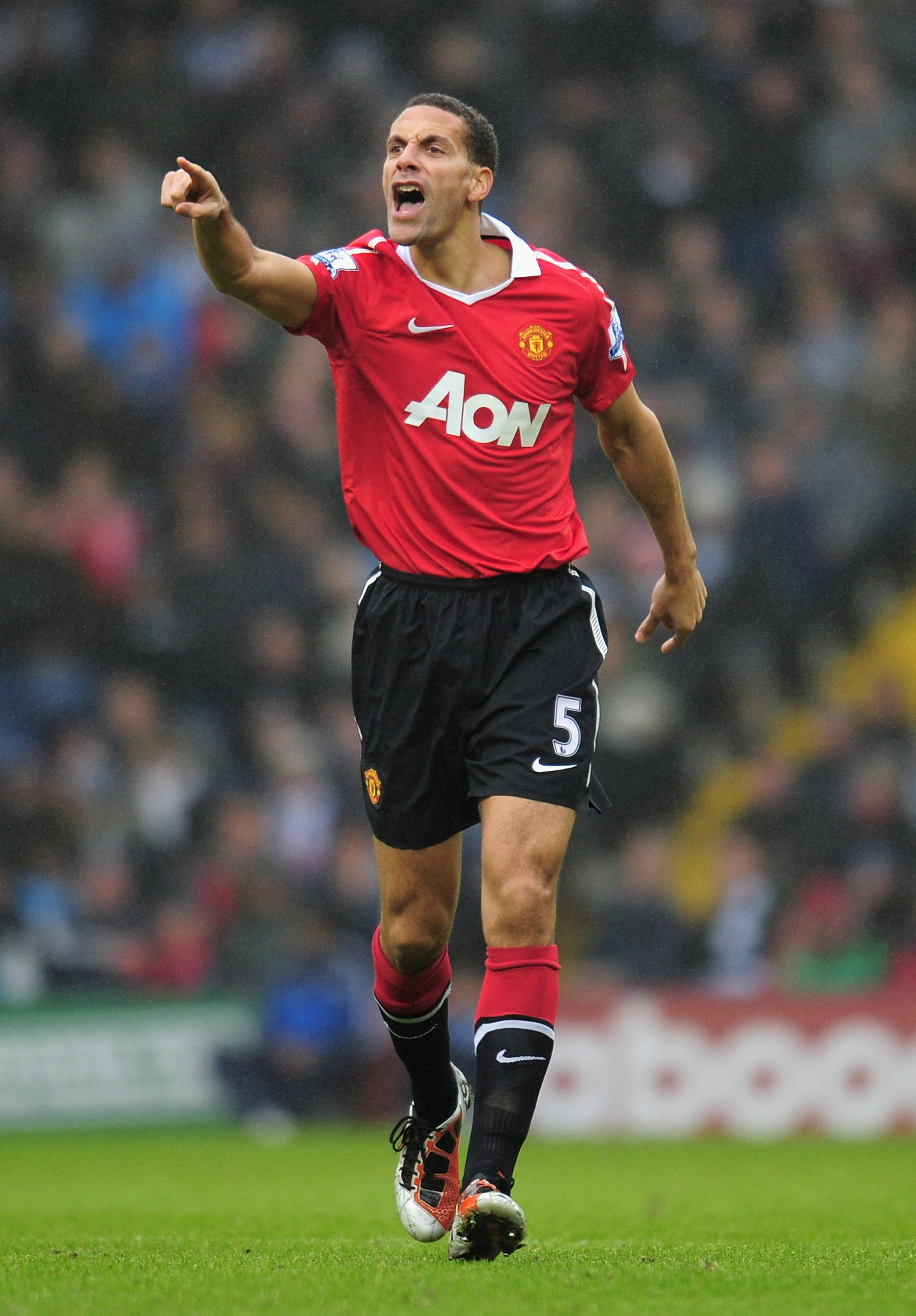 WEST BROMWICH, ENGLAND - JANUARY 01:  Rio Ferdinand of Manchester United shouts instructions during the Barclays Premier League match between West Bromich Albion and Manchester United at The Hawthorns on January 1, 2011 in West Bromwich, England.  (Photo