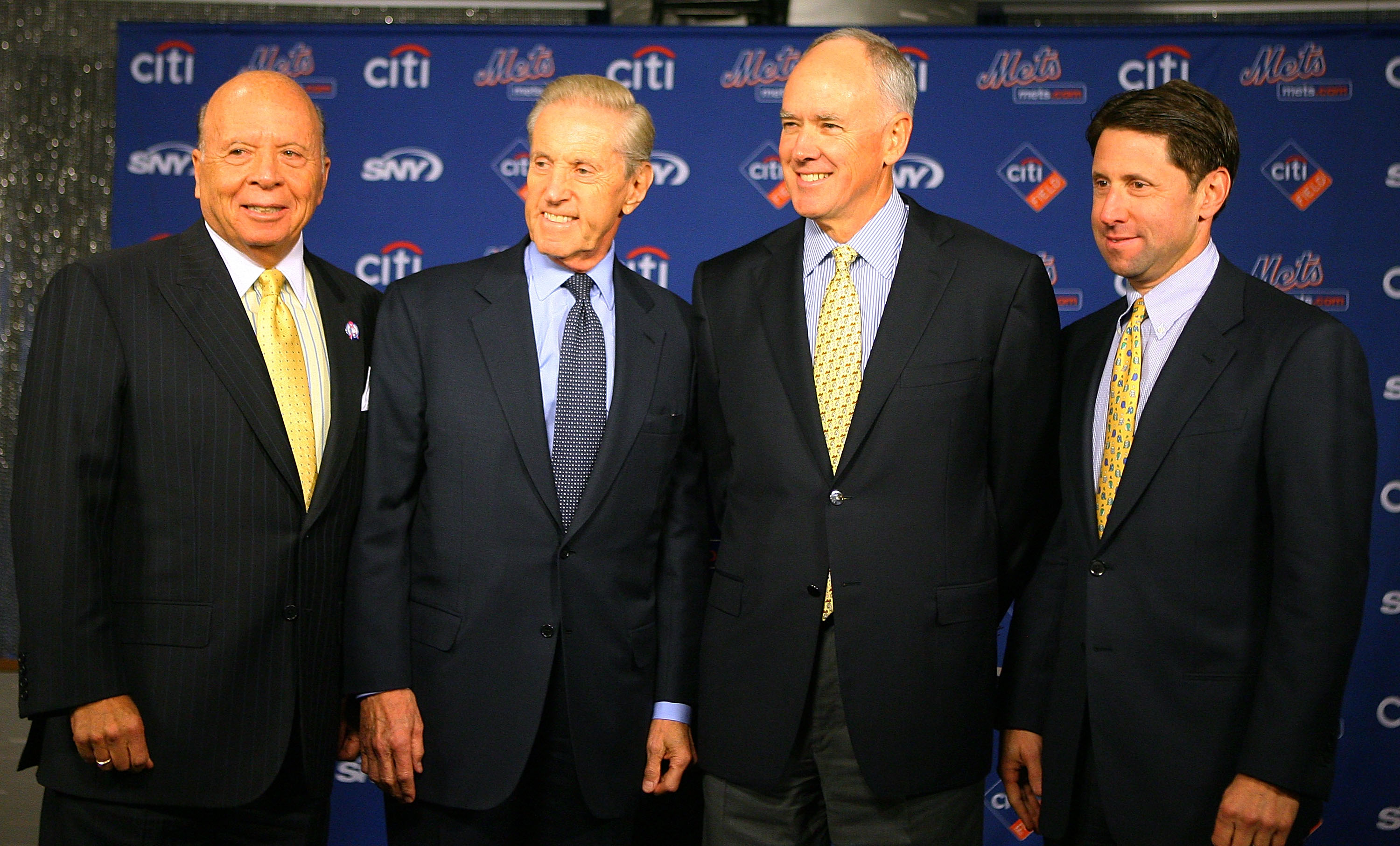 The Reluctant Mets Ownership and GM Sandy Alderson