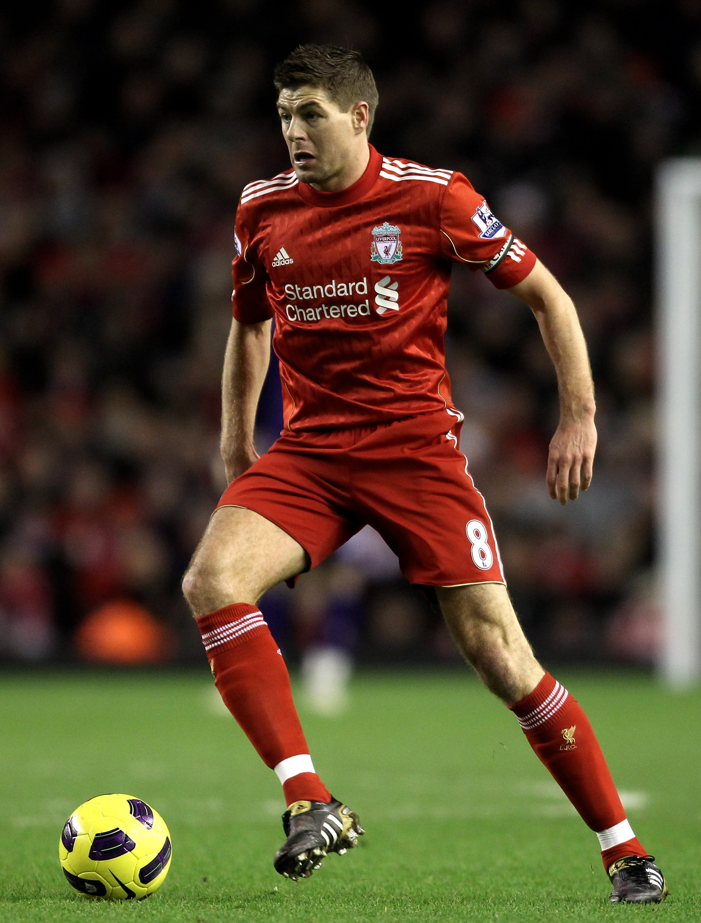 LIVERPOOL, ENGLAND - JANUARY 26:  Steven Gerrard of Liverpool in action during the Barclays Premier League match between Liverpool and Fulham at Anfield on January 26, 2011 in Liverpool, England. (Photo by Alex Livesey/Getty Images)