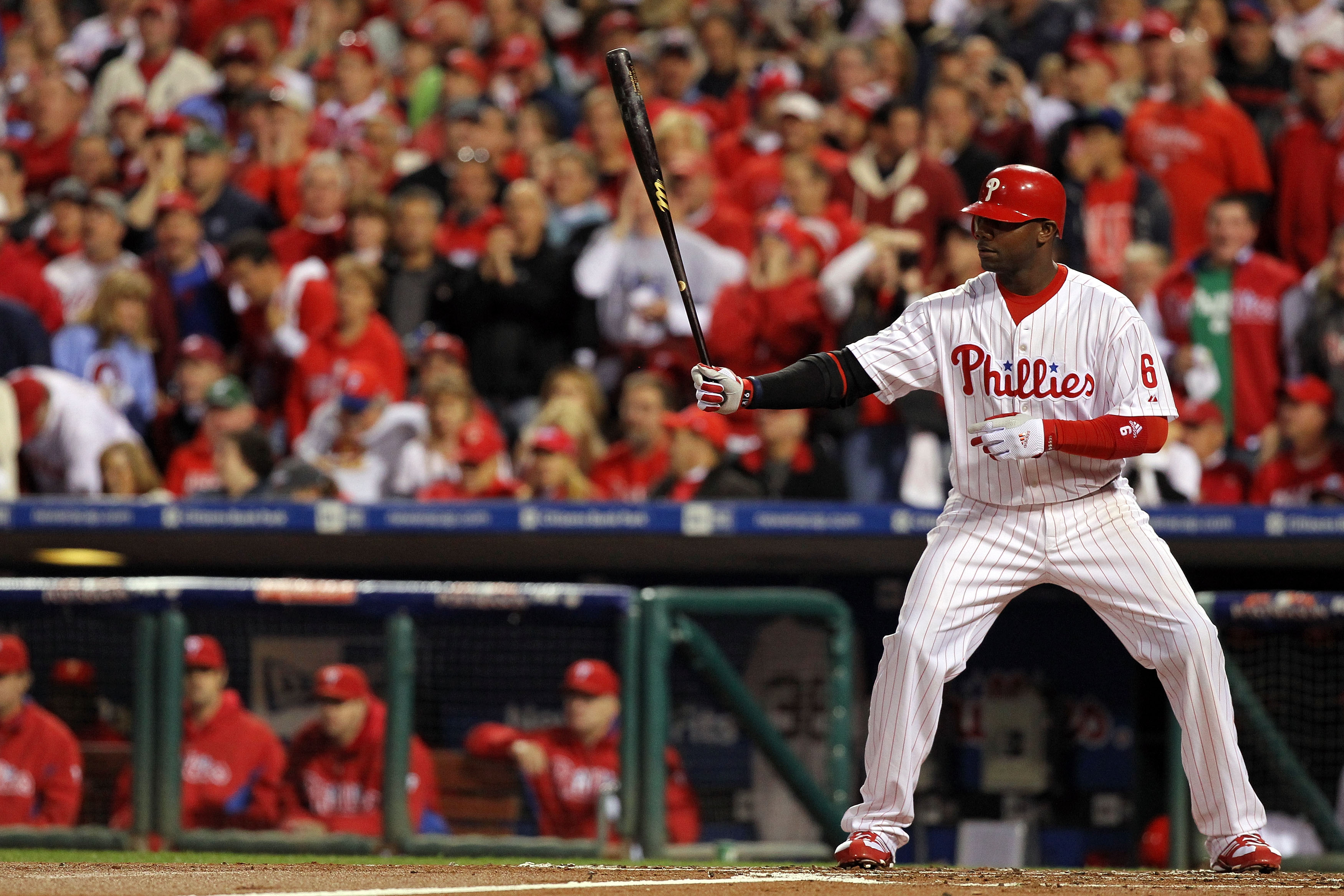 PHILADELPHIA - OCTOBER 23:  Ryan Howard #6 of the Philadelphia Phillies bats against the San Francisco Giants in Game Six of the NLCS during the 2010 MLB Playoffs at Citizens Bank Park on October 23, 2010 in Philadelphia, Pennsylvania.  (Photo by Al Bello