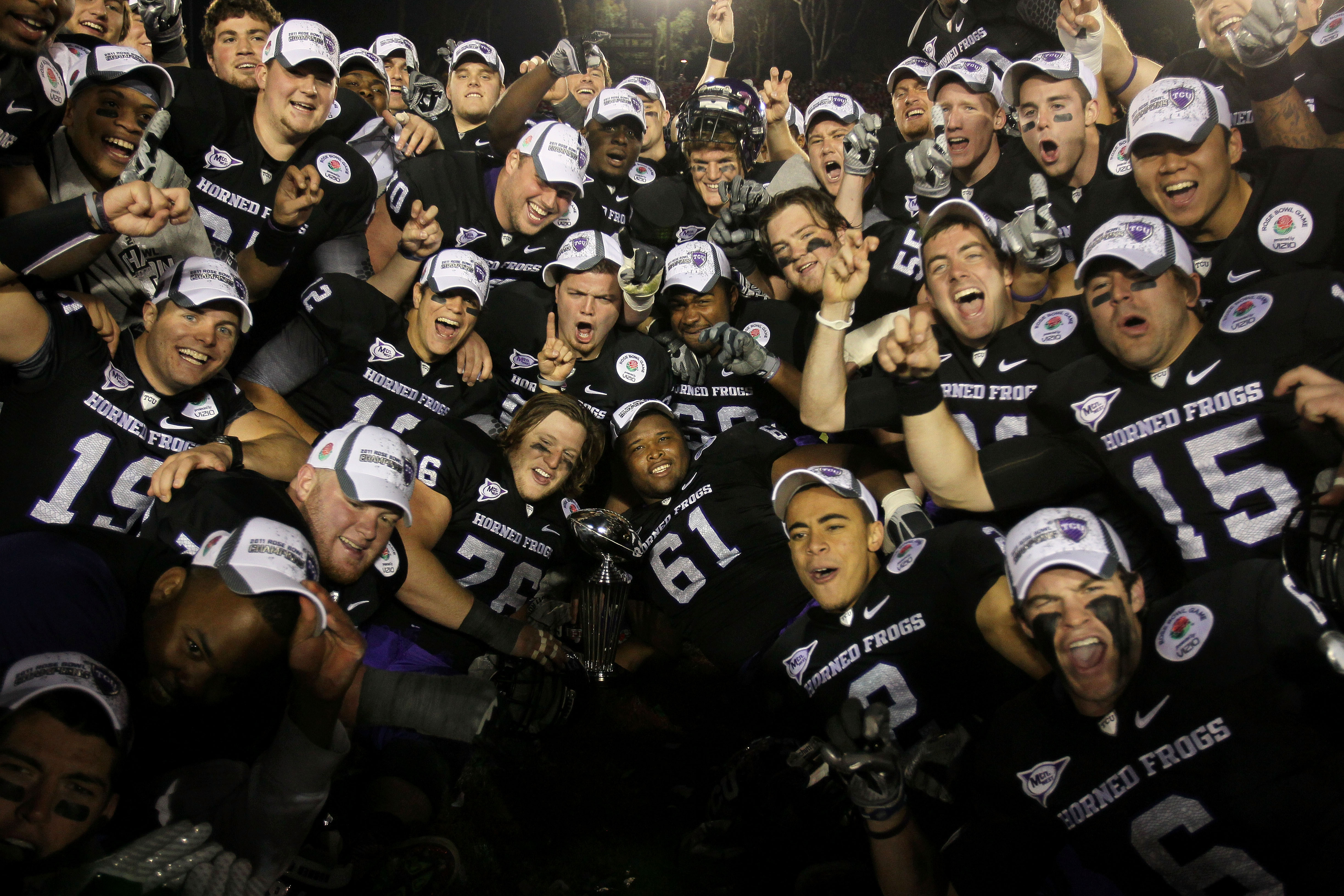 PASADENA, CA - JANUARY 01:  The TCU Horned Frogs celebrate after defeating the Wisconsin Badgers 21-19 in the 97th Rose Bowl game on January 1, 2011 in Pasadena, California.  (Photo by Jeff Gross/Getty Images)