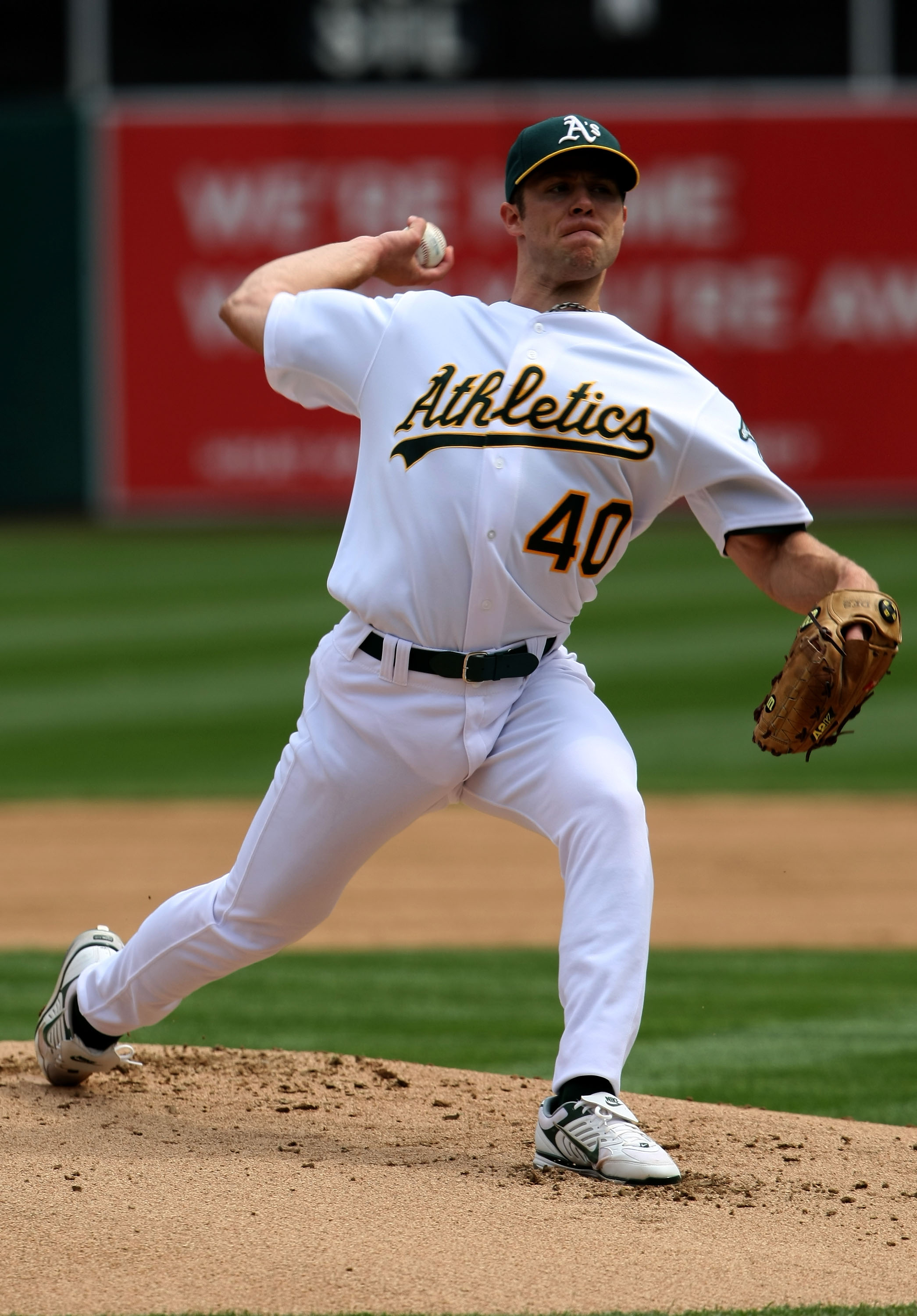 OAKLAND, CA - APRIL 02:  Rich Harden #40 of the Oakland Athletics pitches against the Boston Red Sox during the first inning at the McAfee Coliseum April 2, 2008 in Oakland, California.  (Photo by Justin Sullivan/Getty Images)