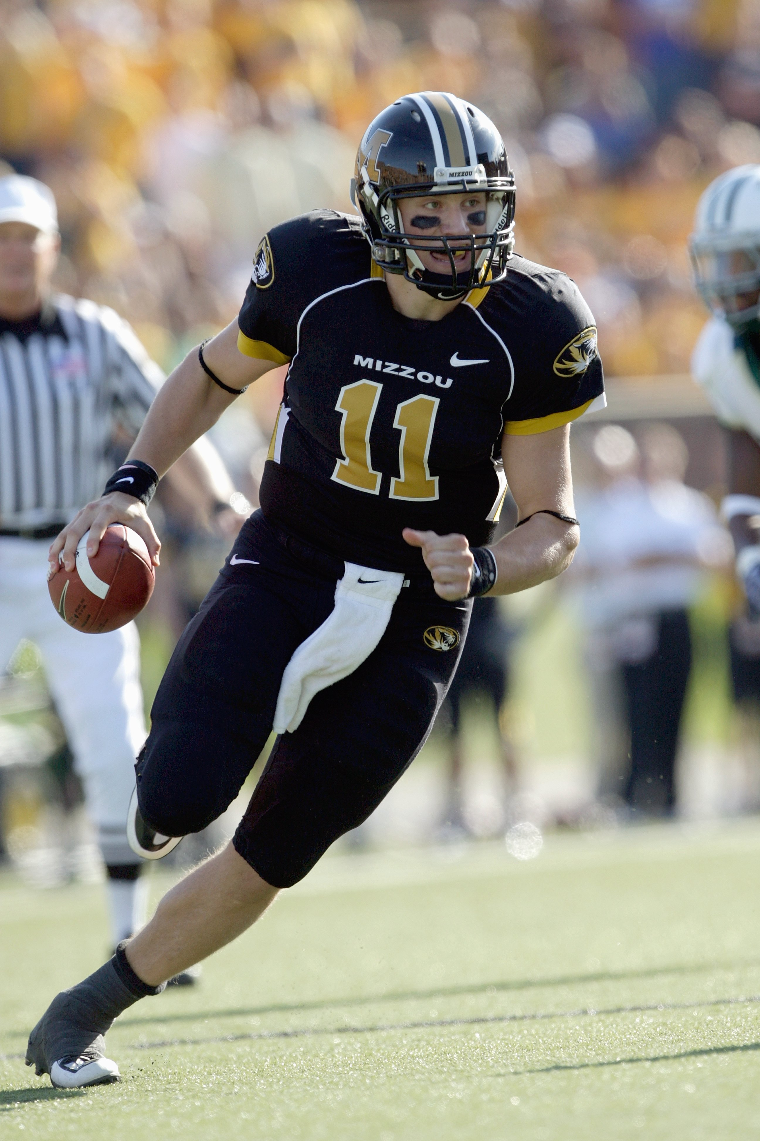 COLUMBIA, MO - NOVEMBER 7:  Quarterback Blaine Gabbert #11 of the Missouri Tigers runs to pass the ball during the game against the Baylor Bears at Faurot Field/Memorial Stadium on November 7, 2009 in Columbia, Missouri. (Photo by Jamie Squire/Getty Image