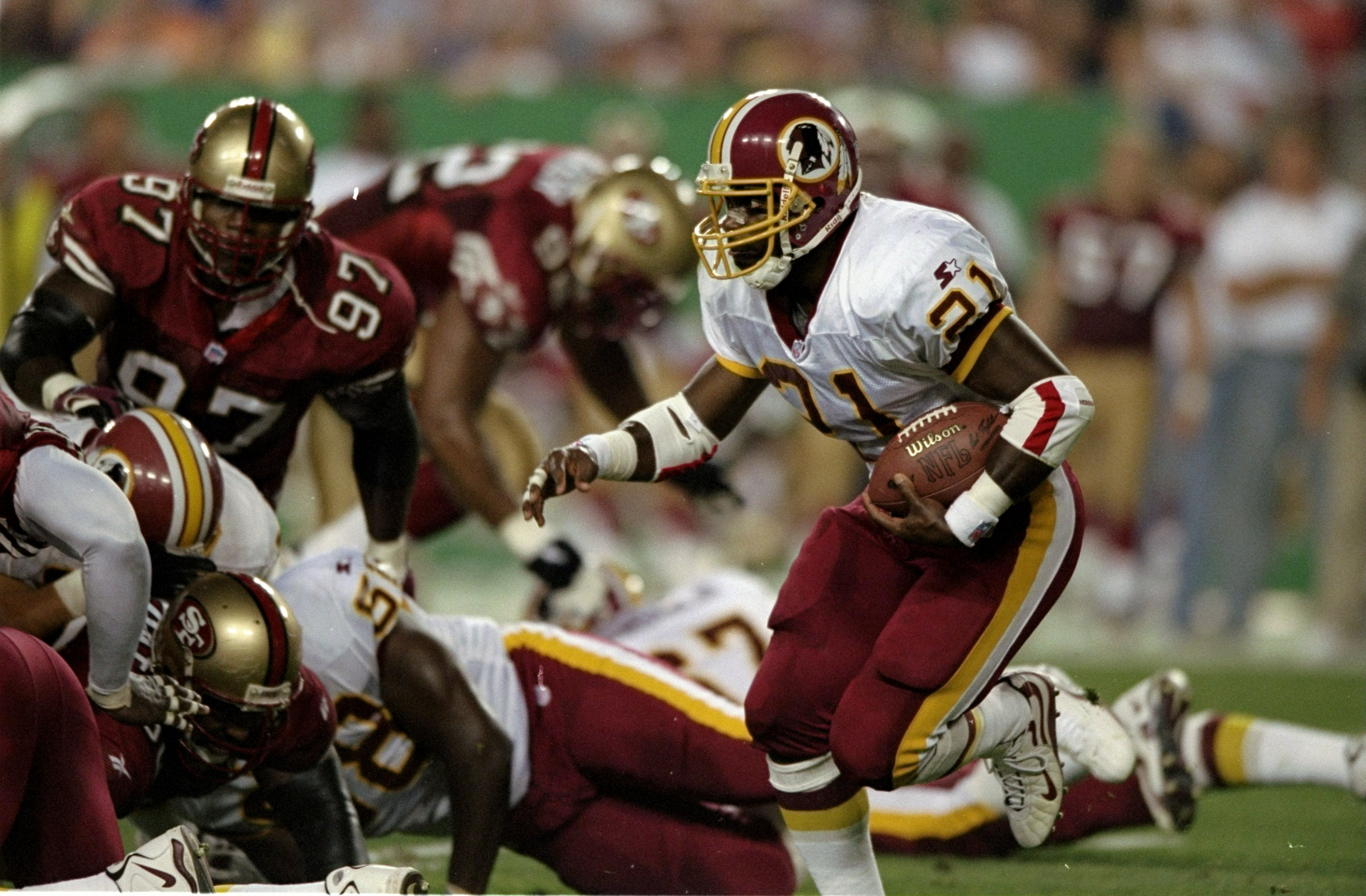 14 Sep 1998:  Running back Terry Allen #21 of the Washington Redskins in action during the game against the San Francisco 49ers at the Jack Kent Cooke Stadium in Landover, Maryland. The 49ers defeated the Redskins 45-10. Mandatory Credit: Doug Pensinger