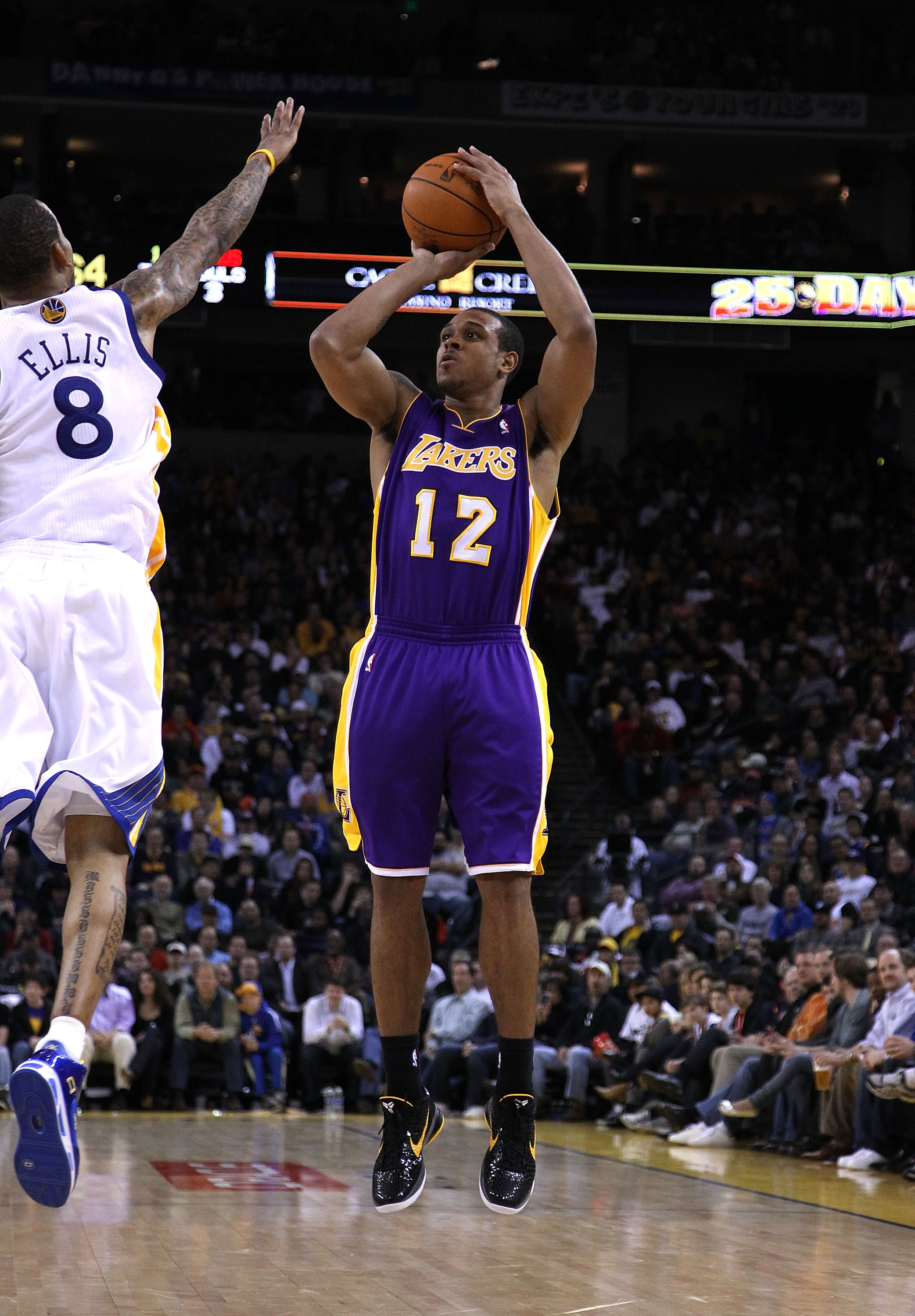 OAKLAND, CA - JANUARY 12:  Shannon Brown #12 of the Los Angeles Lakers in action during their game against the Golden State Warriors at Oracle Arena on January 12, 2011 in Oakland, California. NOTE TO USER: User expressly acknowledges and agrees that, by