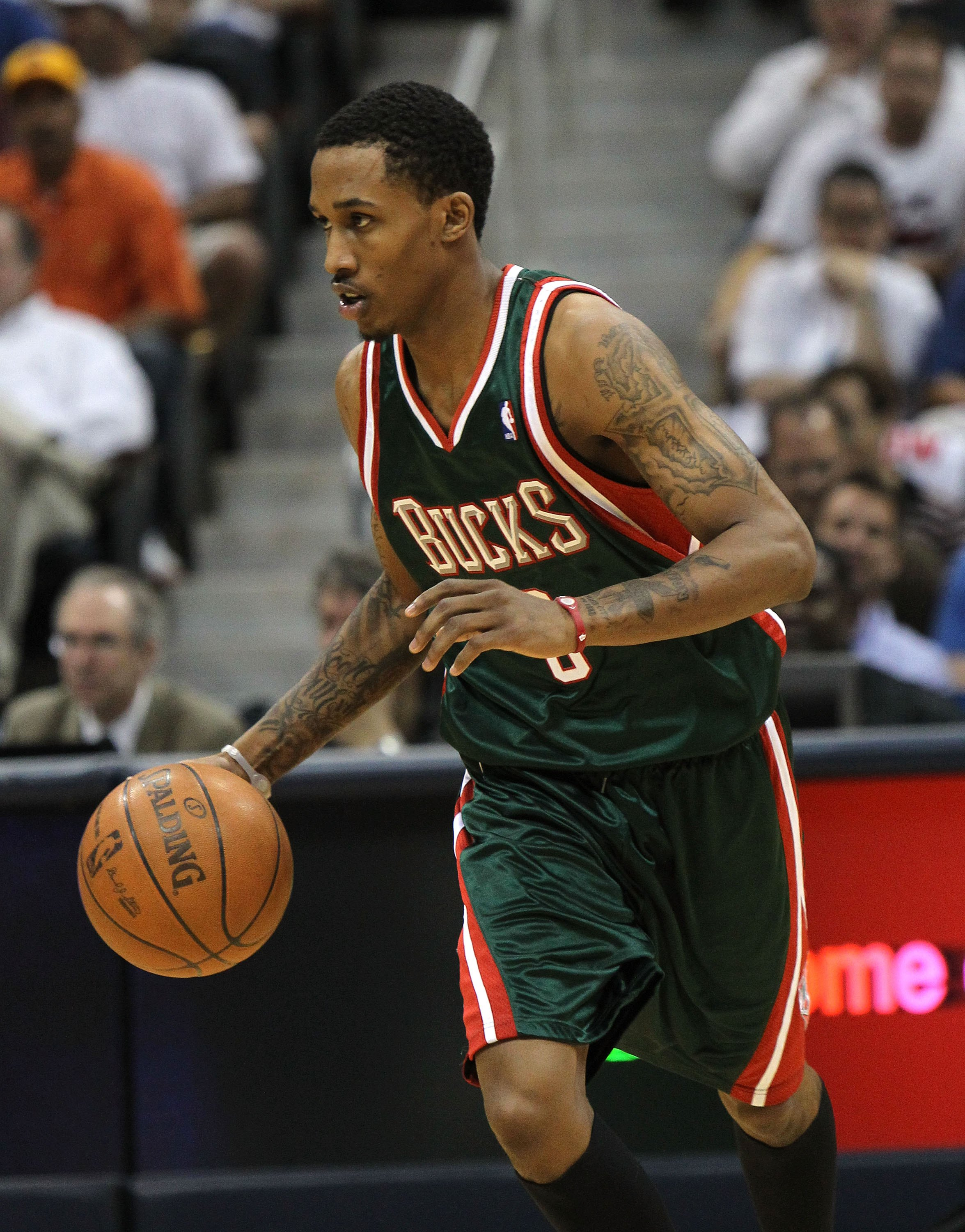 Hibbert and no 6 seed hawks al horford are two of the best centers - Atlanta May 2 Guard Brandon Jennings 3 Of The Milwaukee Bucks Dribbles With