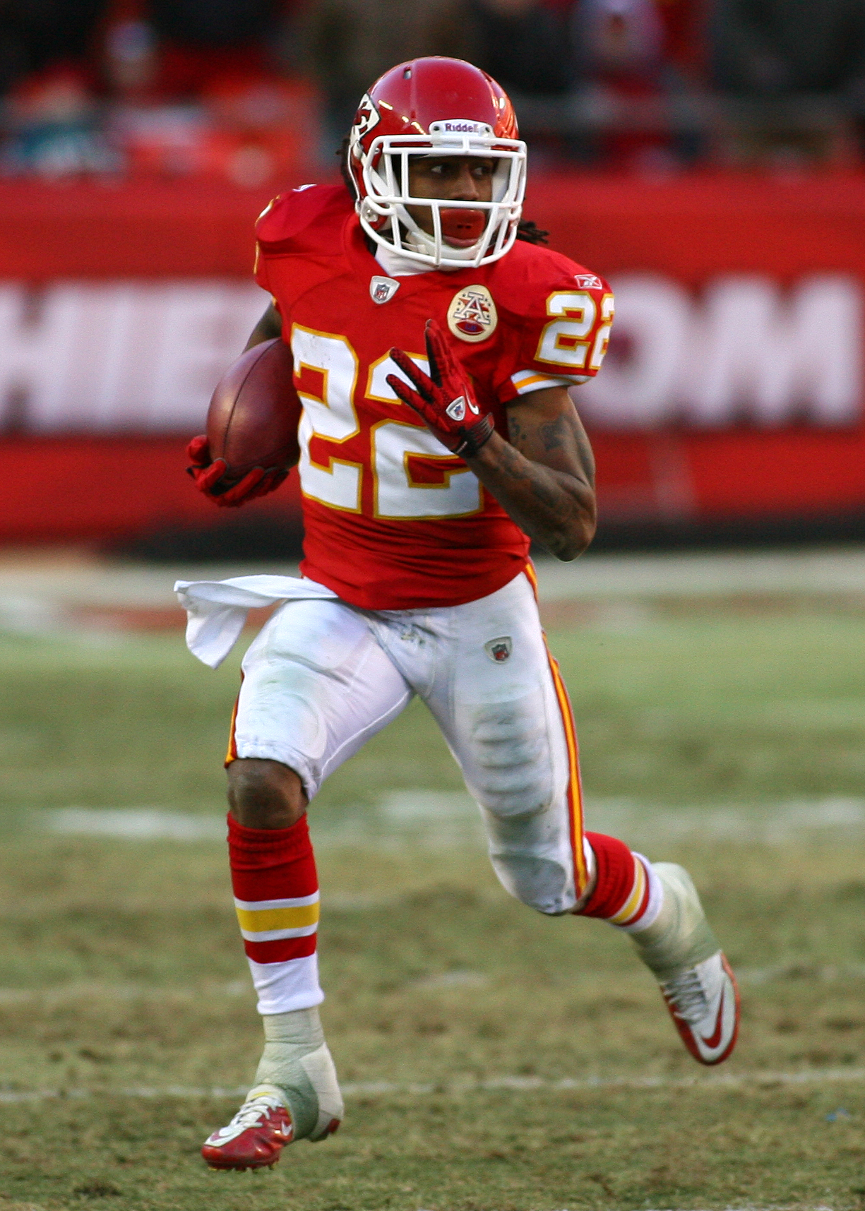 KANSAS CITY, MO - JANUARY 02:  Wide receiver Dexter McCluster #22 of the Kansas City Chiefs runs down field in a game against the Oakland Raiders in a game at Arrowhead Stadium on January 2, 2011 in Kansas City, Missouri.  (Photo by Tim Umphrey/Getty Imag