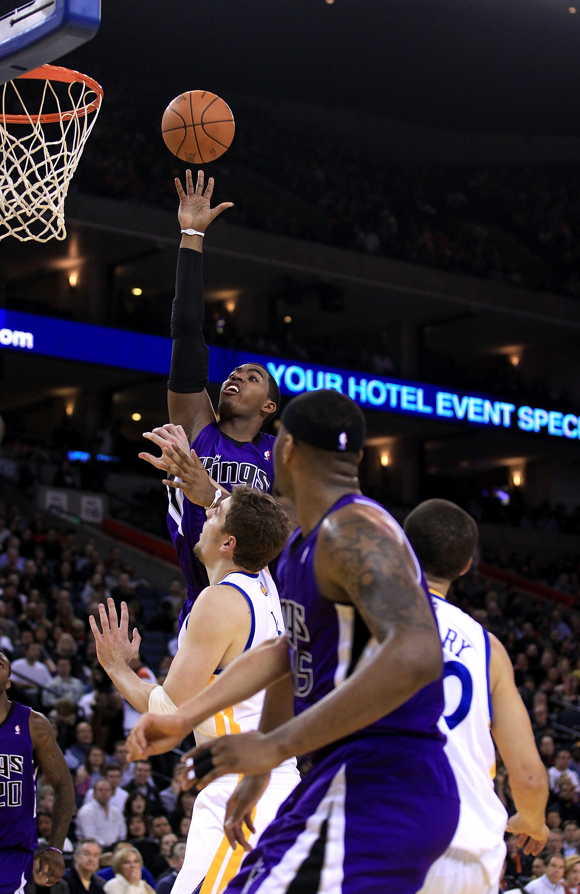 OAKLAND, CA - JANUARY 21:  Jason Thompson #34 of the Sacramento Kings goes up for a shot against the Golden State Warriors at Oracle Arena on January 21, 2011 in Oakland, California. NOTE TO USER: User expressly acknowledges and agrees that, by downloadin
