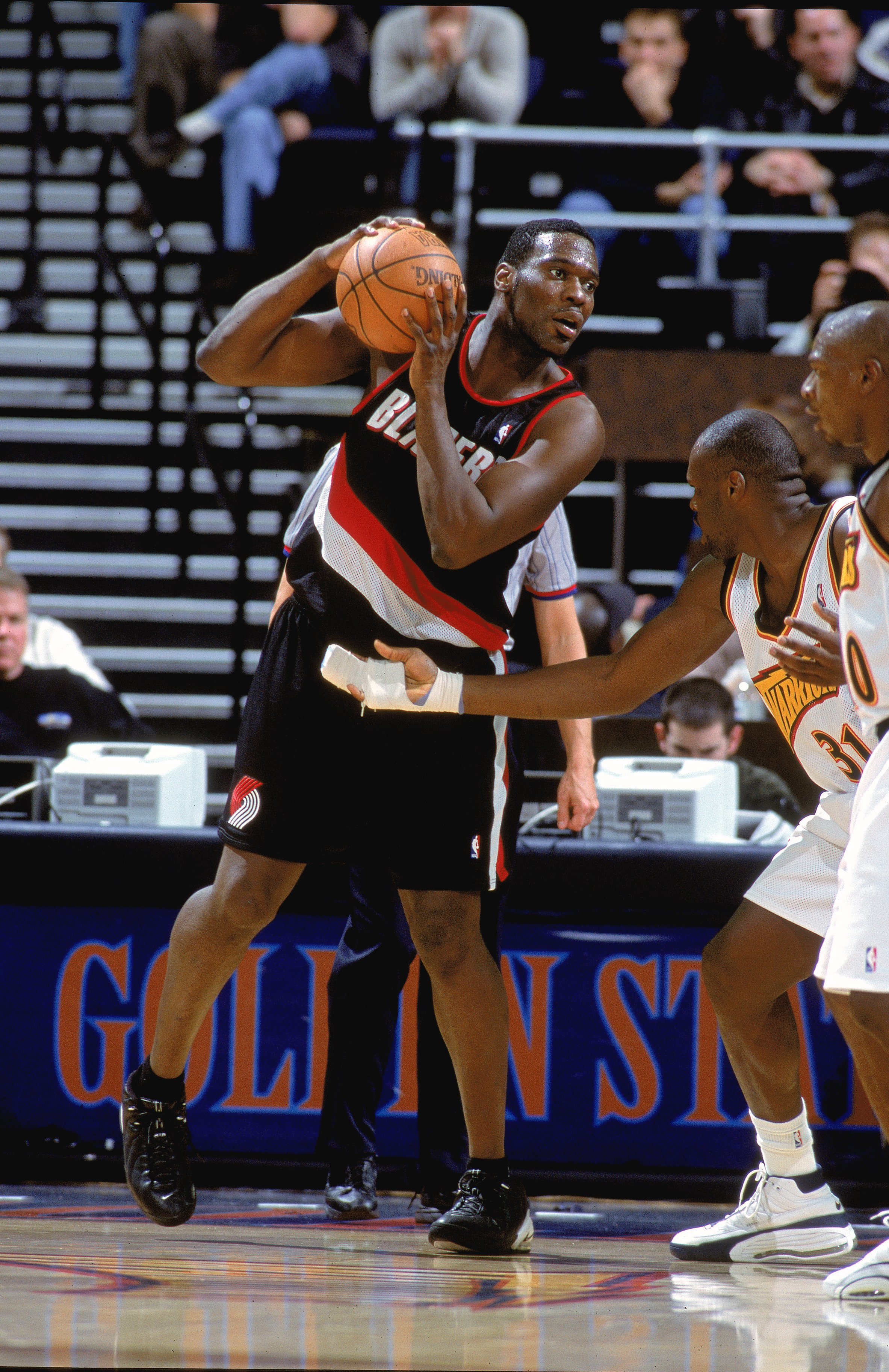 12 Dec 2000:  Shawn Kemp #40 of the Portland Trail Blazers looks to move the ball during the game against the Golden State Warriors at The Arena of Oakland in California. The Trail Blazers defeated the Warriors 101-92. NOTE TO USER: It is expressly unders