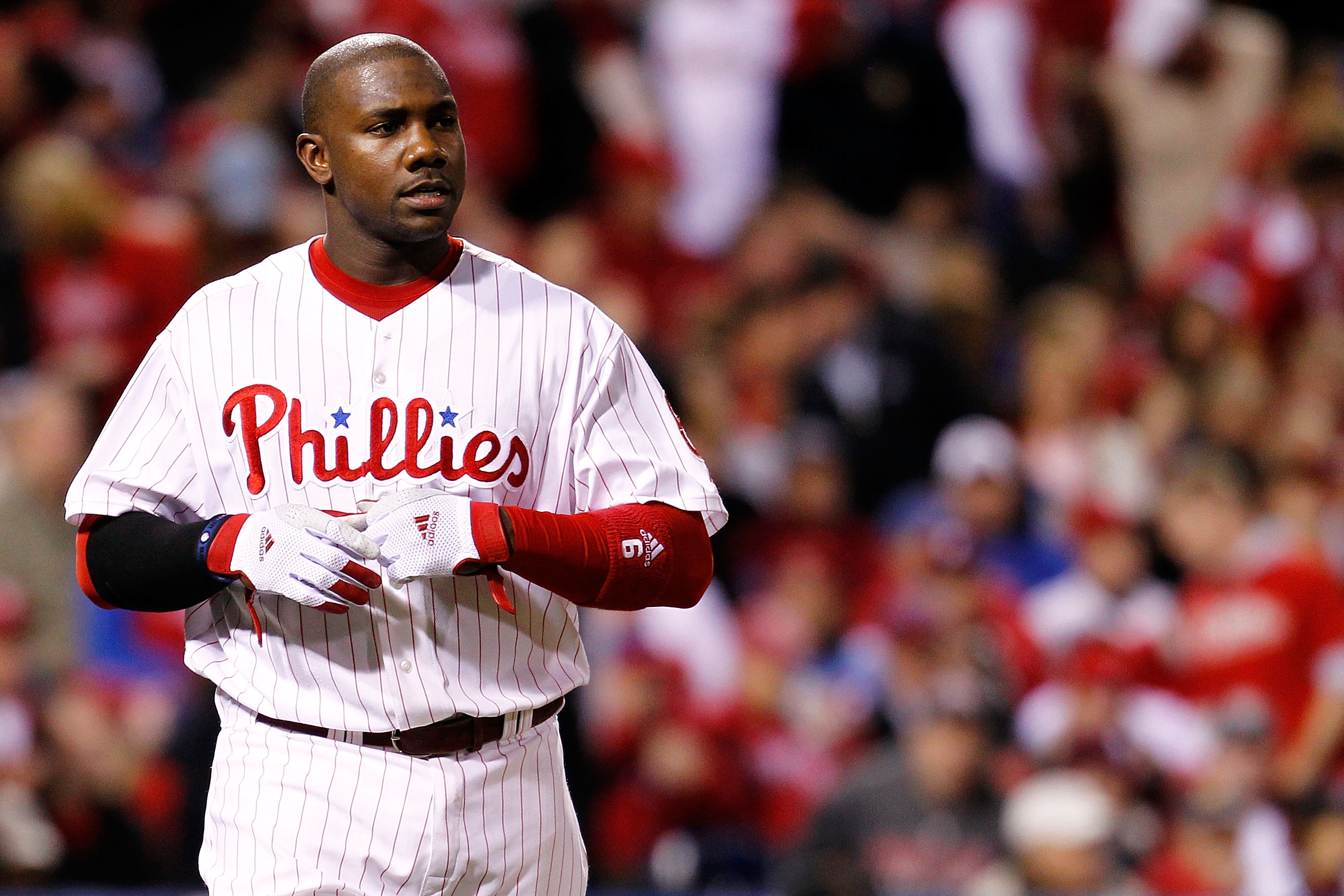 PHILADELPHIA - OCTOBER 16:  Ryan Howard #6 of the Philadelphia Phillies reacts after he strikes out against the San Francisco Giants in Game One of the NLCS during the 2010 MLB Playoffs at Citizens Bank Park on October 16, 2010 in Philadelphia, Pennsylvan