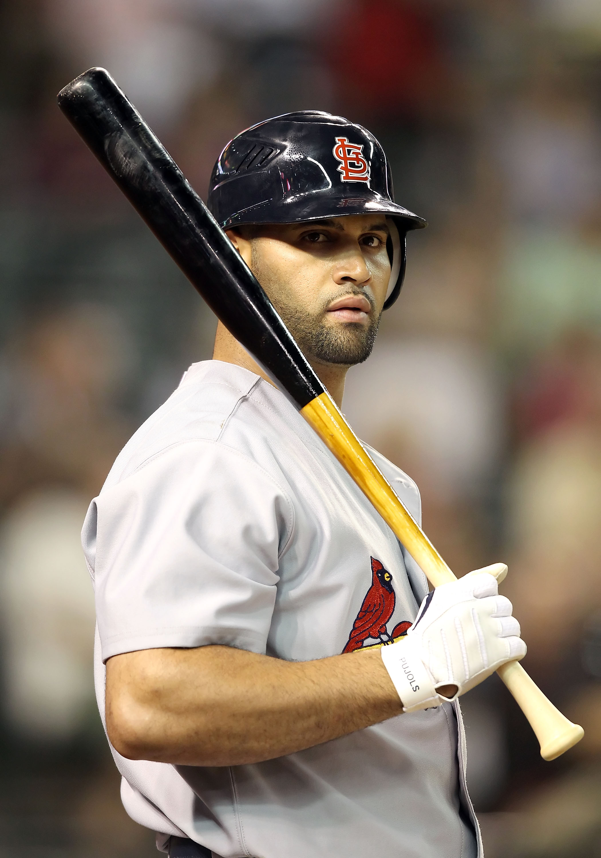 PHOENIX - JUNE 11:  Albert Pujols #4 of the St. Louis Cardinals prepares to bat against the Arizona Diamondbacks during the Major League Baseball game at Chase Field on June 11, 2010 in Phoenix, Arizona.  (Photo by Christian Petersen/Getty Images)