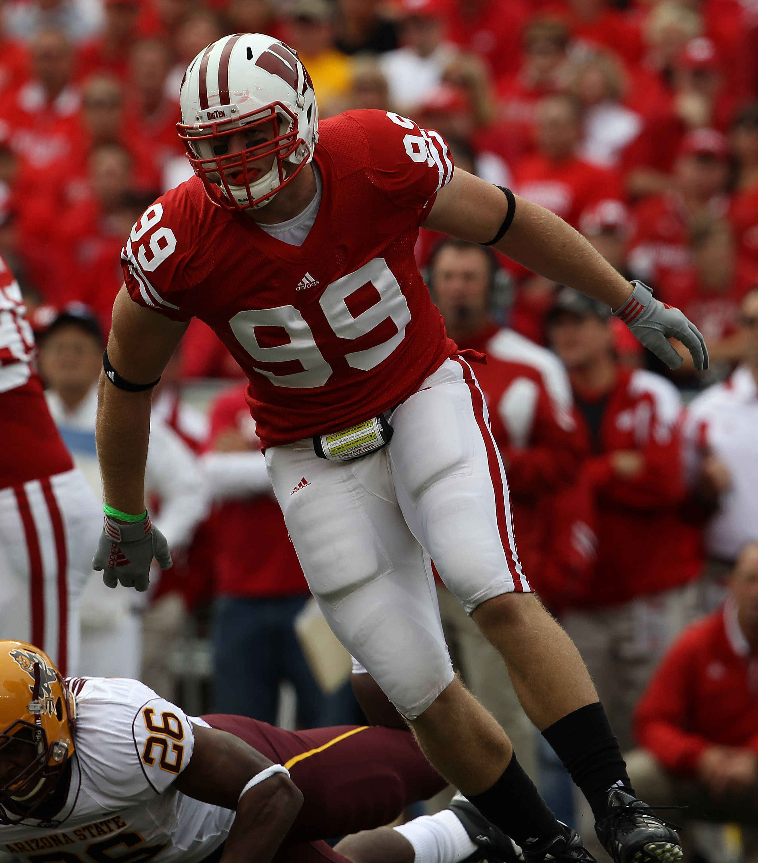 MADISON, WI - SEPTEMBER 18: J.J. Watt #99 of the Wisconsin Badgers rushes against the Arizona State Sun Devils at Camp Randall Stadium on September 18, 2010 in Madison, Wisconsin. Wisconsin defeated Arizona State 20-19. Wisconsin defeated Arizona State 20