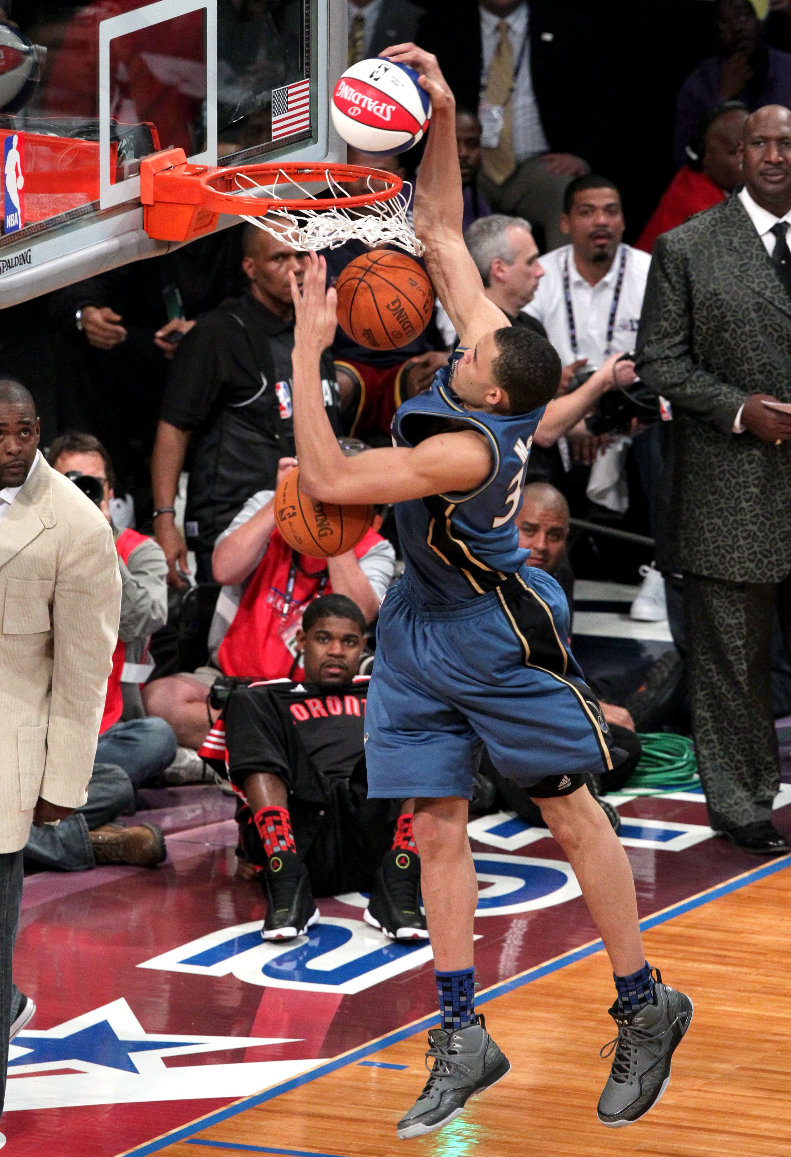 LOS ANGELES, CA - FEBRUARY 19:  JaVale McGee #34 of the Washington Wizards dunks in the Sprite Slam Dunk Contest apart of NBA All-Star Saturday Night at Staples Center on February 19, 2011 in Los Angeles, California. NOTE TO USER: User expressly acknowled