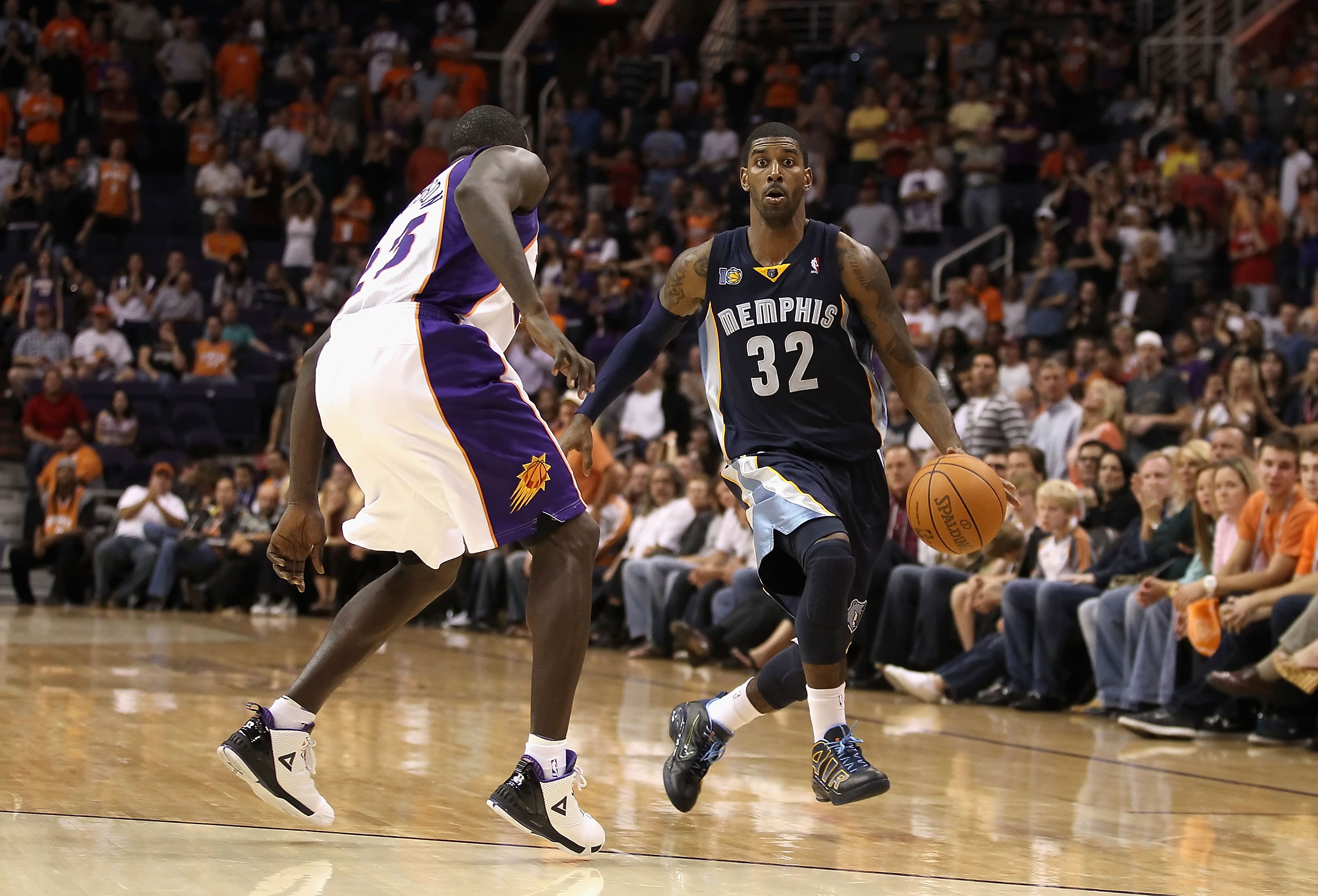 PHOENIX - NOVEMBER 05:  O.J. Mayo #32 of the Memphis Grizzlies handles the ball during the NBA game against the Phoenix Suns at US Airways Center on November 5, 2010 in Phoenix, Arizona. NOTE TO USER: User expressly acknowledges and agrees that, by downlo