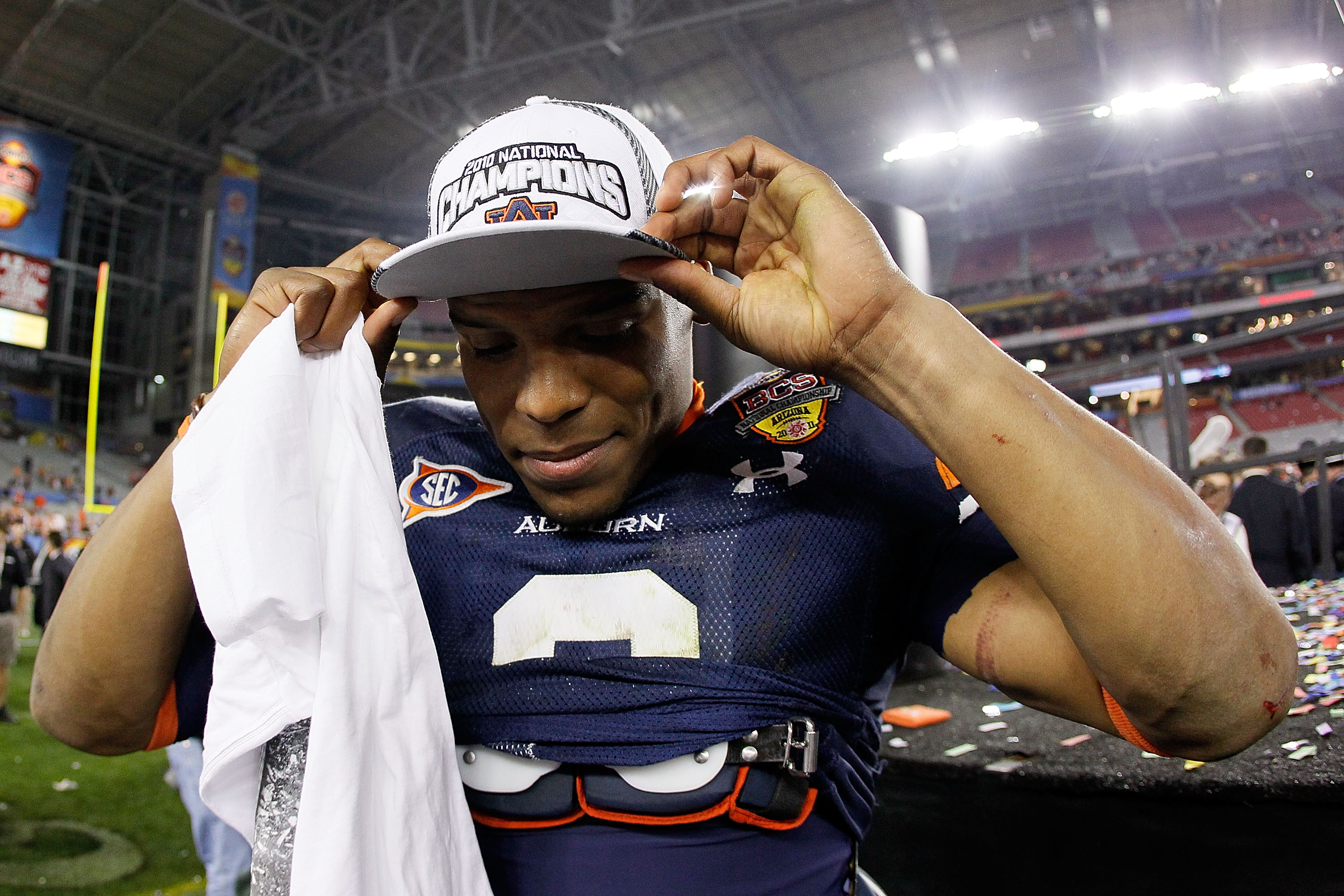 GLENDALE, AZ - JANUARY 10:  Quarterback Cameron Newton #2 of the Auburn Tigers celebrates the Tigers 22-19 victory against the Oregon Ducks in the Tostitos BCS National Championship Game at University of Phoenix Stadium on January 10, 2011 in Glendale, Ar