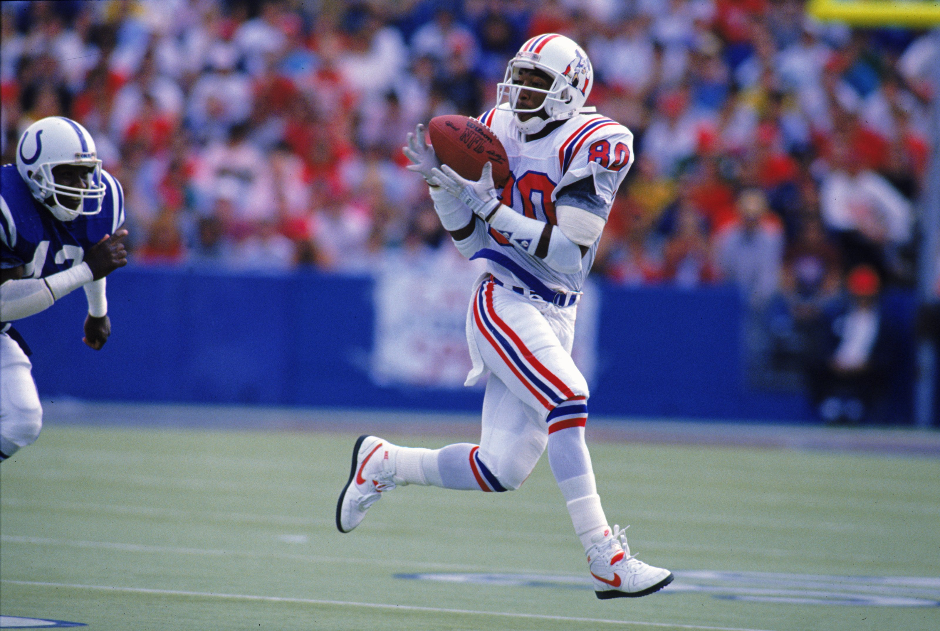 2 Oct 1988:  Irving Fryar #80 of the New England Patriots catches the ball during the game against the Indianapolis Colts. The Patriots defeated the Clots 21-17. Mandatory Credit: Rick Stewart  /Allsport
