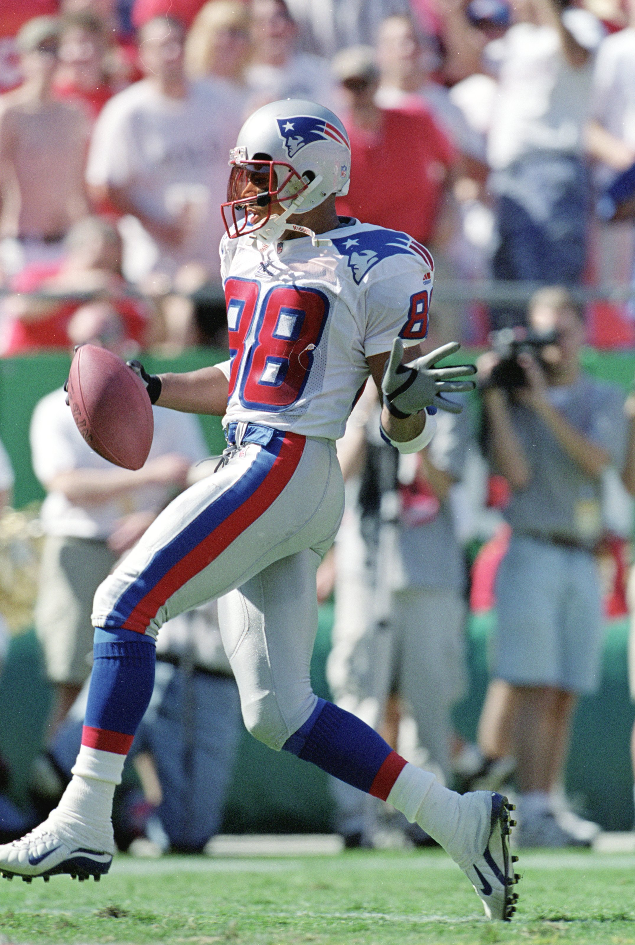 10 Oct 1999: Terry Glenn #88 of the New England Patriots carries  the ball for a touchdown during a game against the Kansas City Chiefs at Arrowhead Stadium in Kansas City, Missouri. The Chiefs defeated the Patriots 16-14. Mandatory Credit: Brian Bahr  /A