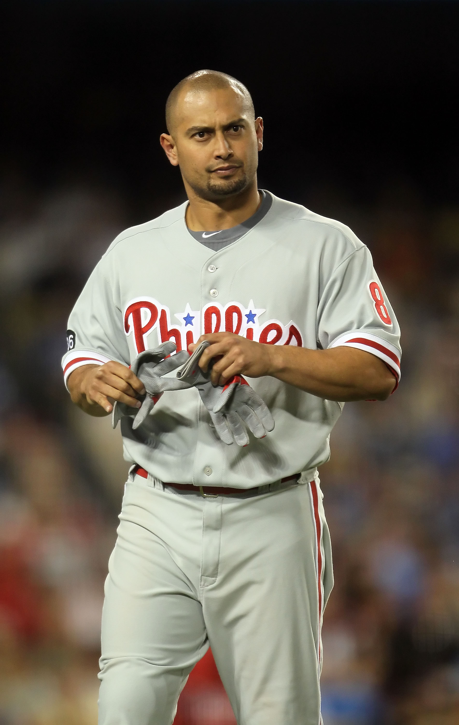 LOS ANGELES, CA - AUGUST 31:  Shane Victorino #8 of the Philadelphia Phillies looks on against the Los Angeles Dodgers at Dodger Stadium on August 31, 2010 in Los Angeles, California. The Phillies defeated the Dodgers 8-4.  (Photo by Jeff Gross/Getty Imag