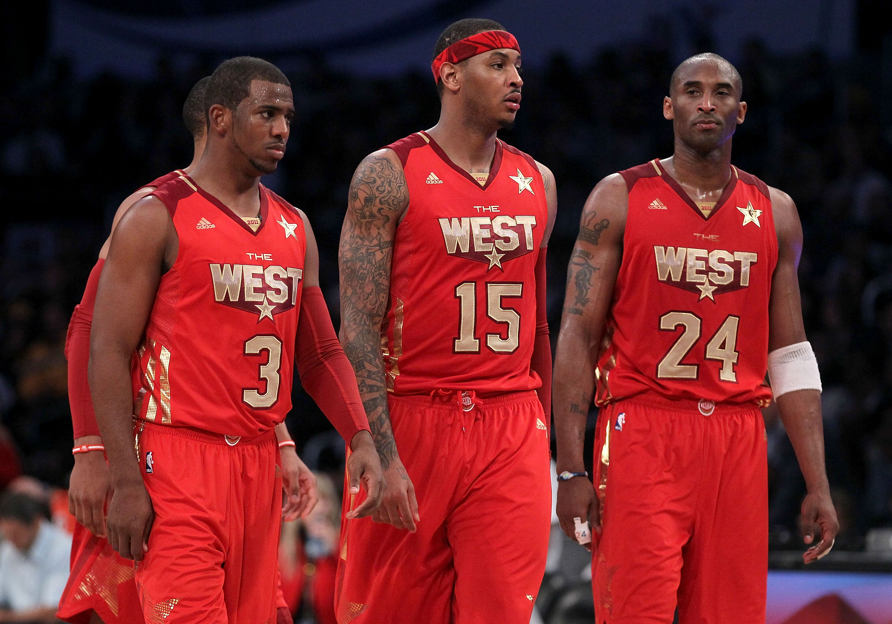 LOS ANGELES, CA - FEBRUARY 20:  Chris Paul #3 of the New Orleans Hornets and the Western Conference, Carmelo Anthony #15 of the Denver Nuggets and the Western Conference and Kobe Bryant #24 of the Los Angeles Lakers and the Western Conference on the floor