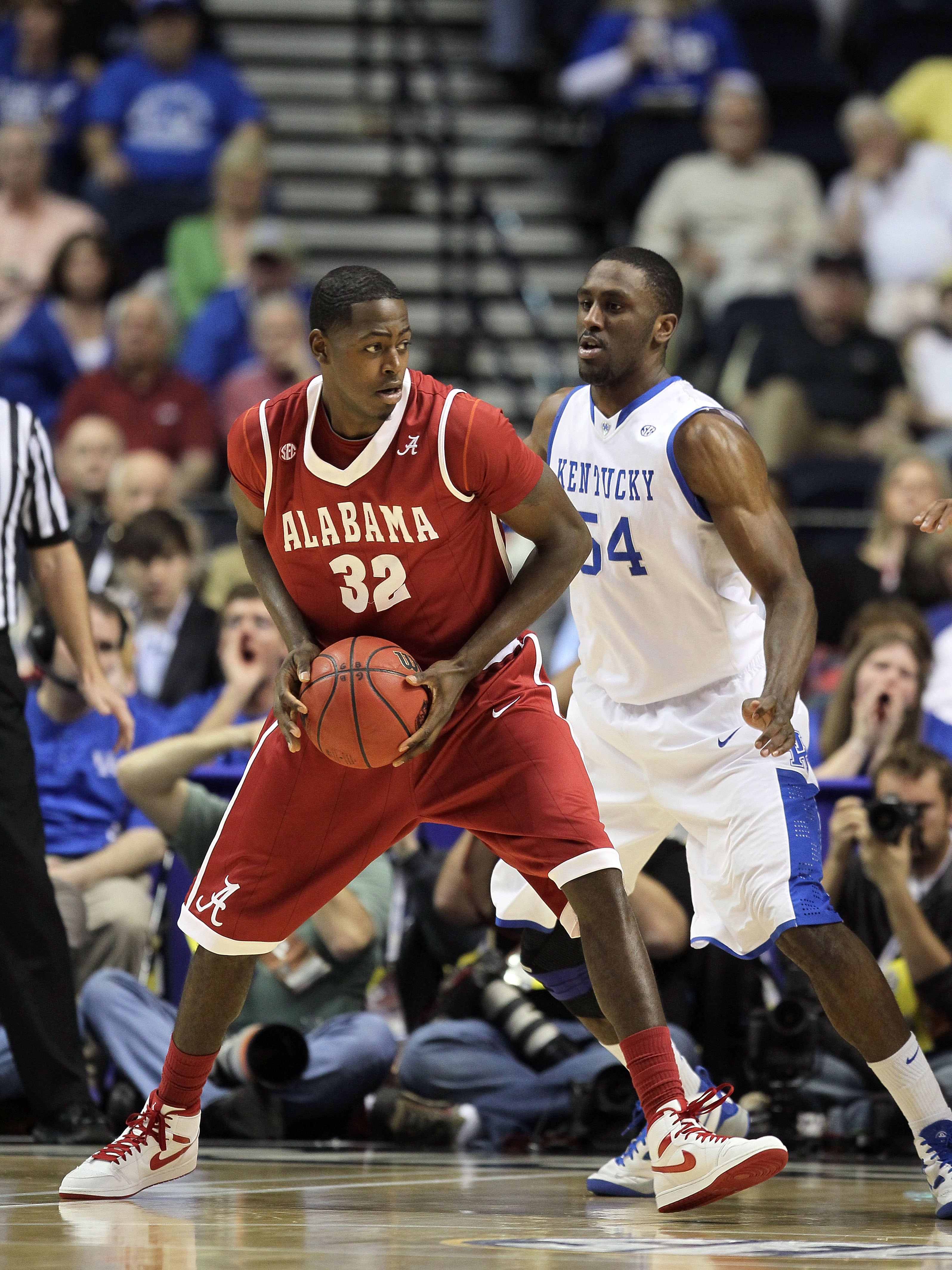 NASHVILLE, TN - MARCH 12:  Jamychal Green #32 of the Alabama Crimson Tide posts up against the Kentucky Wildcats during the quarterfinals of the SEC Men's Basketball Tournament at the Bridgestone Arena on March 12, 2010 in Nashville, Tennessee.  (Photo by