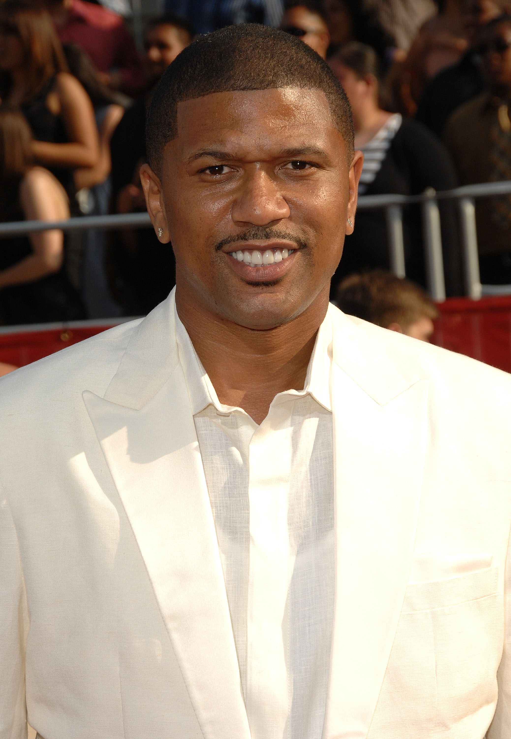 LOS ANGELES, CA - JULY 16:  Reitred NBA athlete Jalen Rose arrives at the 2008 ESPY Awards held at NOKIA Theatre L.A. LIVE on July 16, 2008 in Los Angeles, California.  The 2008 ESPYs will air on Sunday, July 20 at 9PM ET on ESPN.  (Photo by Stephen Shuge