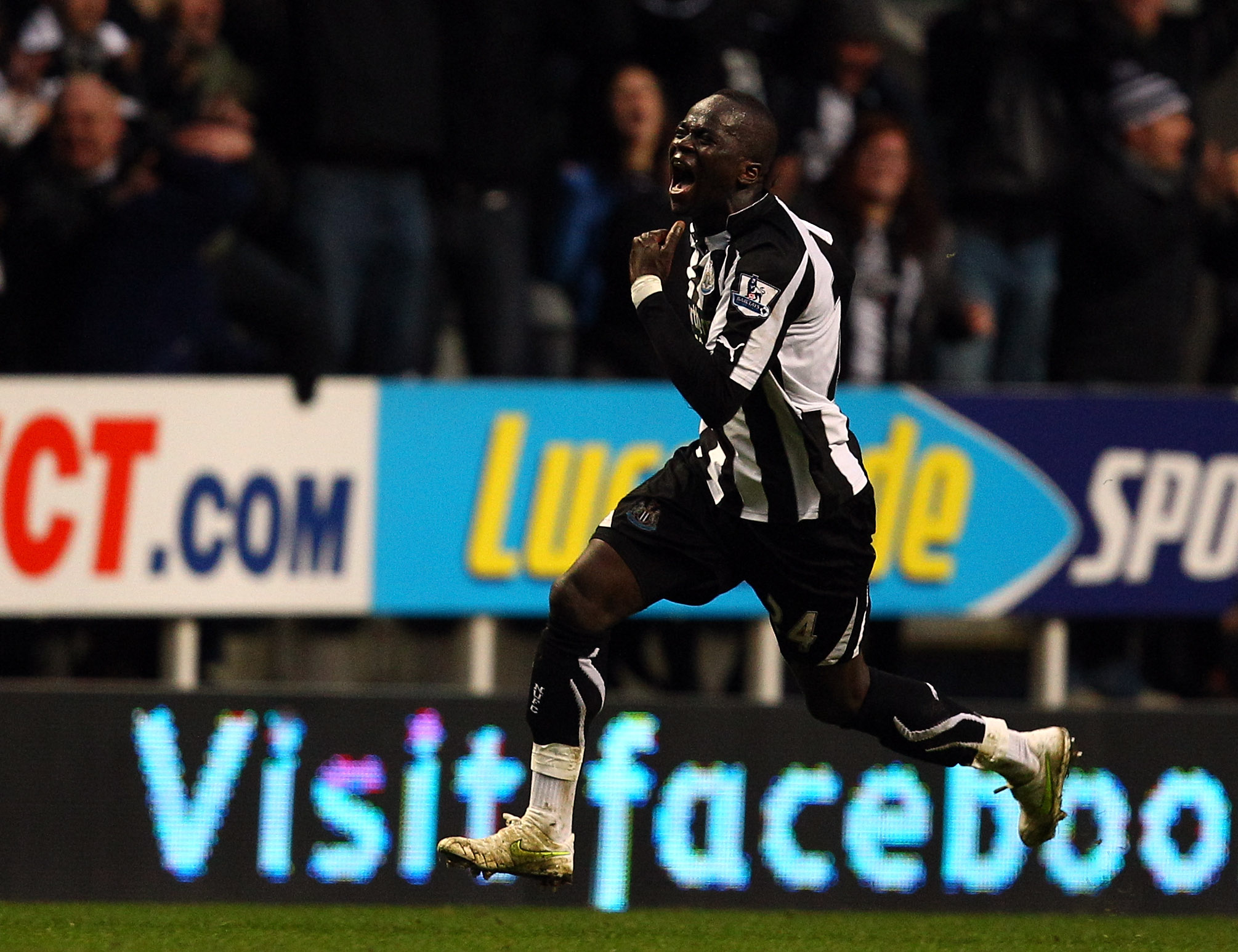 NEWCASTLE UPON TYNE, ENGLAND - FEBRUARY 05:  Cheik Tiote of Newcastle celebrates scoring the fourth and equalising goal during the Barclays Premier League match between Newcastle United and Arsenal at St James' Park on February 5, 2011 in Newcastle upon T
