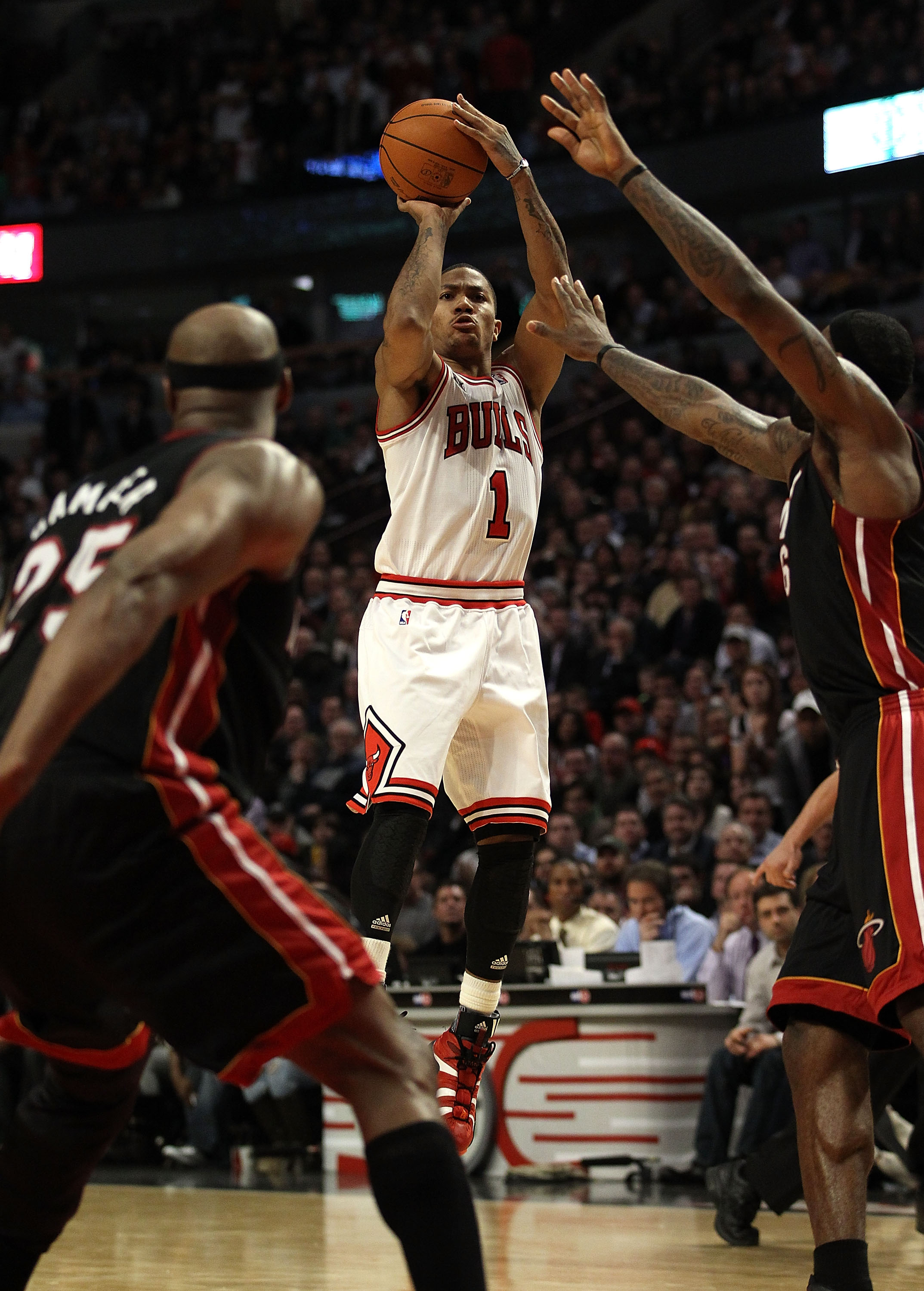 a5fbfc861cde Chicago Bulls  Five Reasons They ll Beat Out the Miami Heat for ...