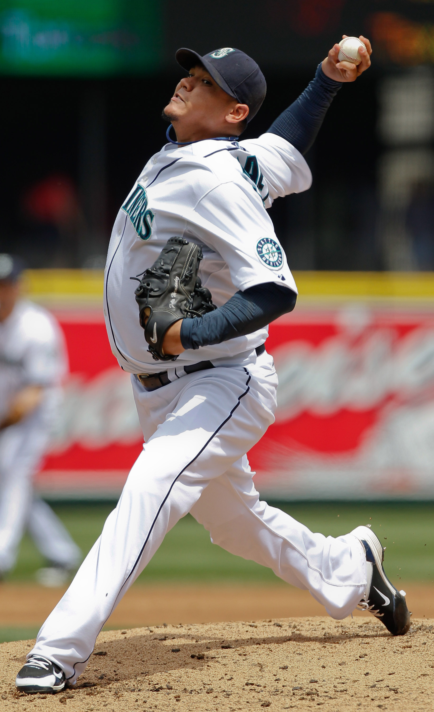 SEATTLE - JUNE 24: Starting pitcher Felix Hernandez #34 of the Seattle Mariners pitches against the Chicago Cubs at Safeco Field on June 24, 2010 in Seattle, Washington. (Photo by Otto Greule Jr/Getty Images)