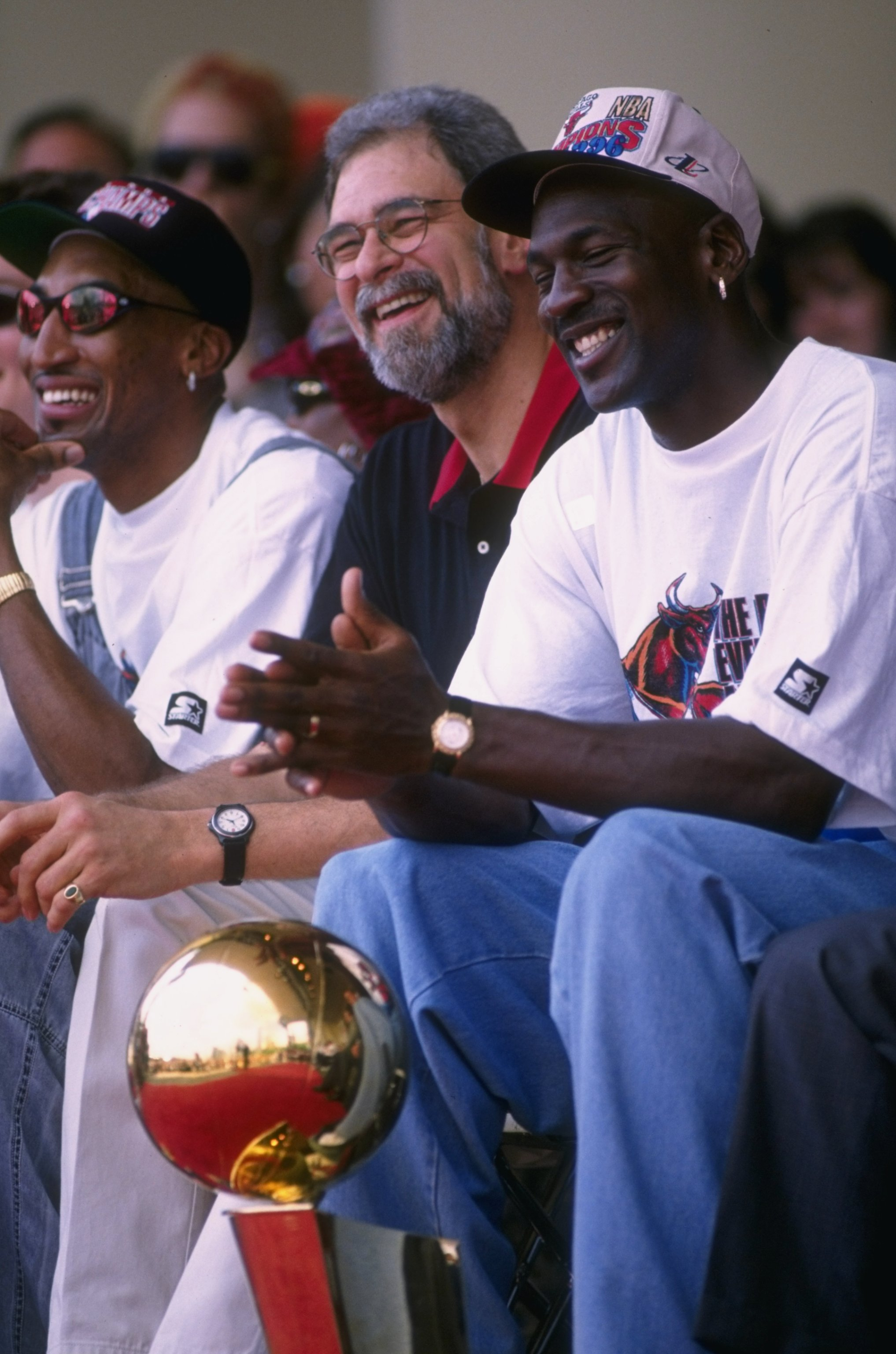 quality design 40523 43a84 18 Jun 1996  (L-R) Scottie Pippen, head coach Phil Jackson and Michael