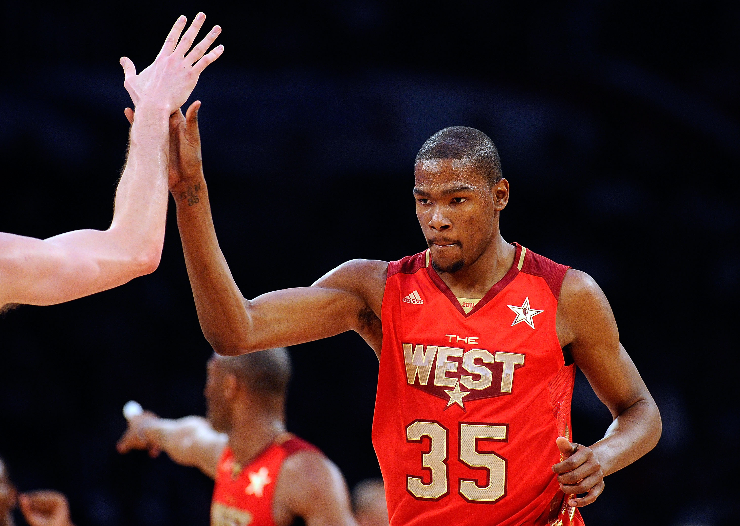 LOS ANGELES, CA - FEBRUARY 20:  Kevin Durant #35 of the Oklahoma City Thunder and the Western Conference reacts in the first half in the 2011 NBA All-Star Game at Staples Center on February 20, 2011 in Los Angeles, California. NOTE TO USER: User expressly