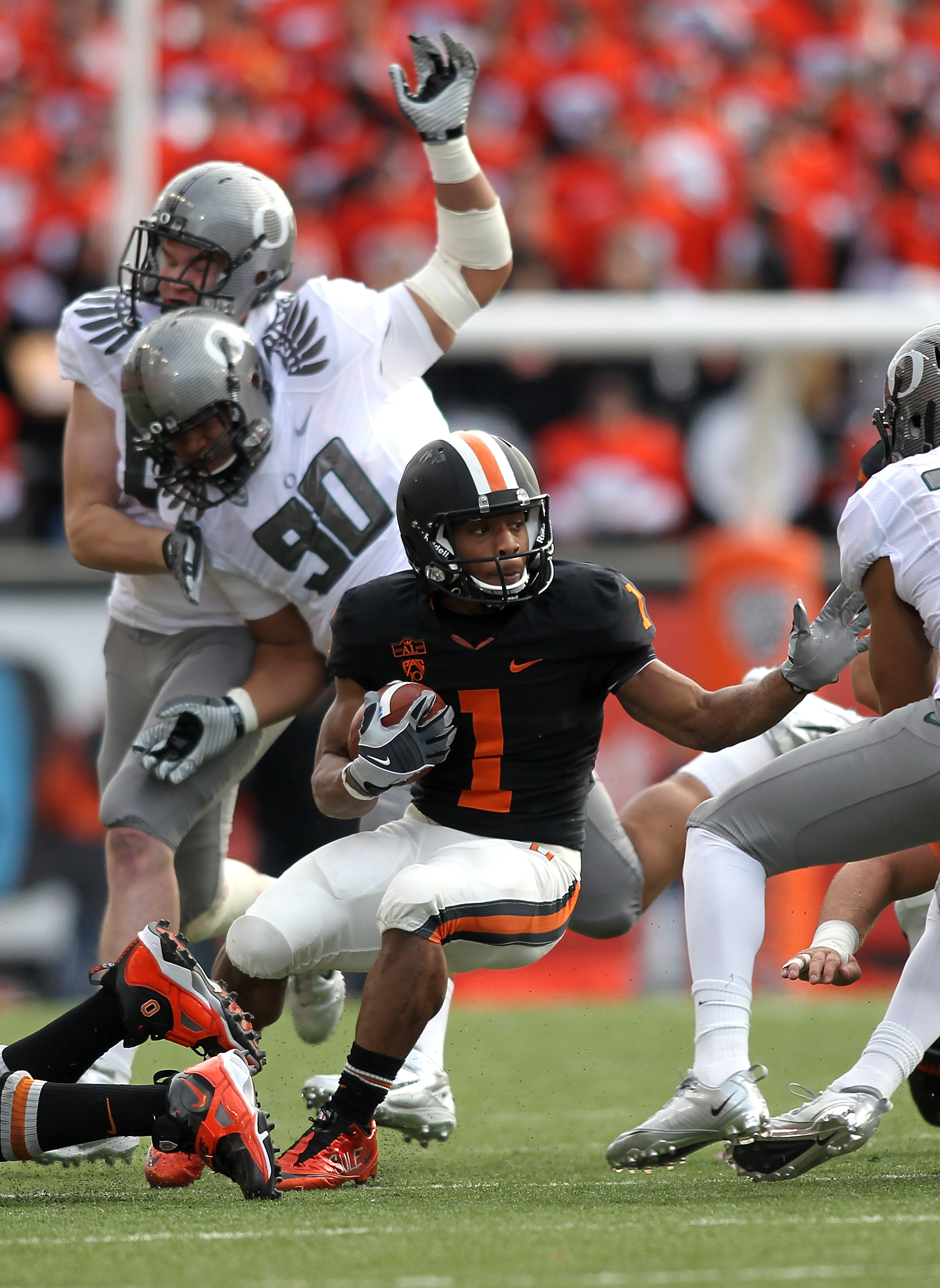 CORVALLIS, OR - DECEMBER 04:  Jacquizz Rodgers #1 of the Oregon State Beavers runs the ball against the Oregon Ducks during the 114th Civil War on December 4, 2010 at the Reser Stadium in Corvallis, Oregon.  (Photo by Jonathan Ferrey/Getty Images)