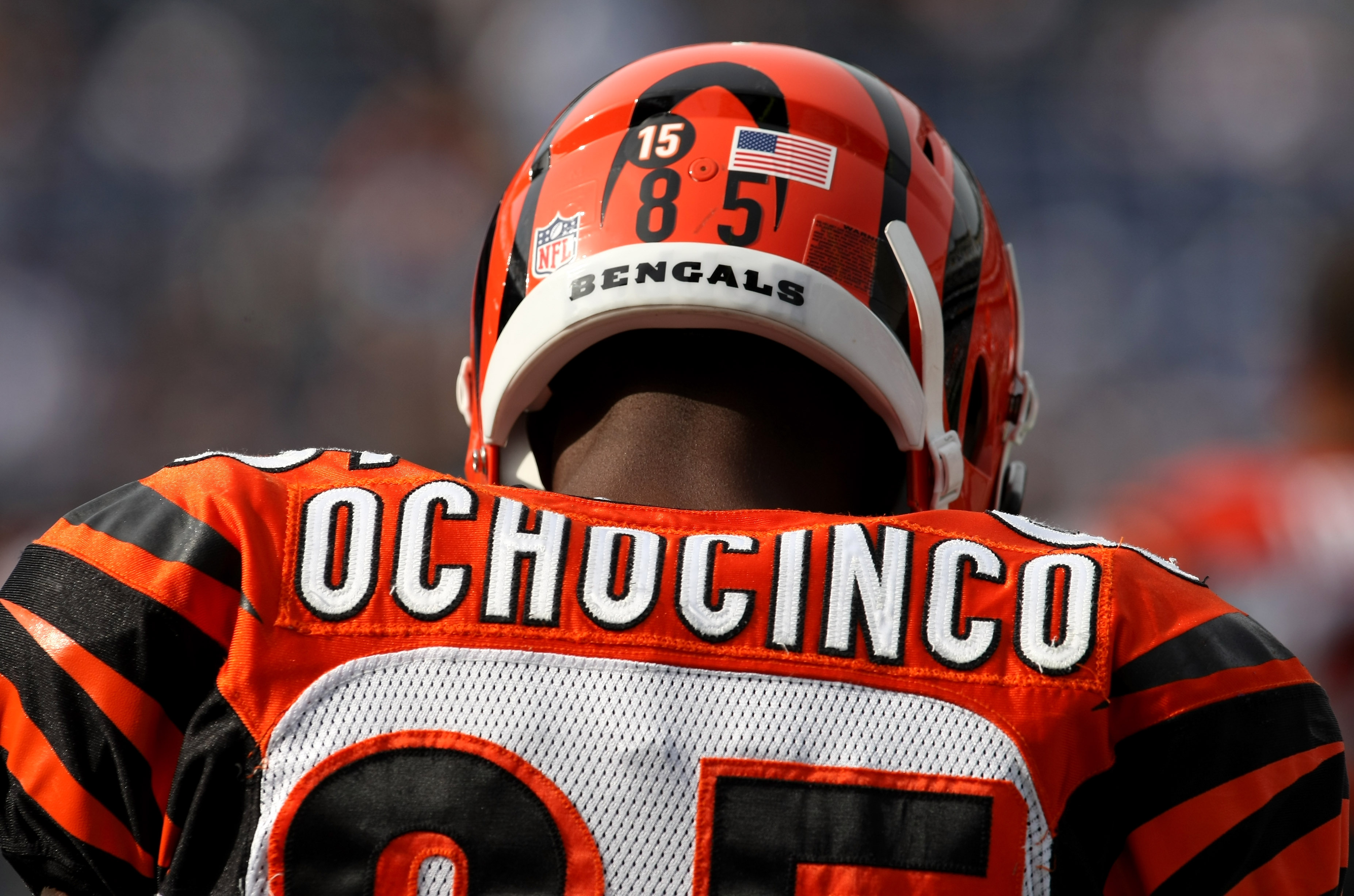 SAN DIEGO - DECEMBER 20: Chad Ochocinco #85 of the Cincinnati Bengals  wears the number 15 on his helmet honoring deceased teammate Chris Henry during warmups before the game with the San Diego Chargers on December 20, 2009 at Qualcomm Stadium in San Dieg