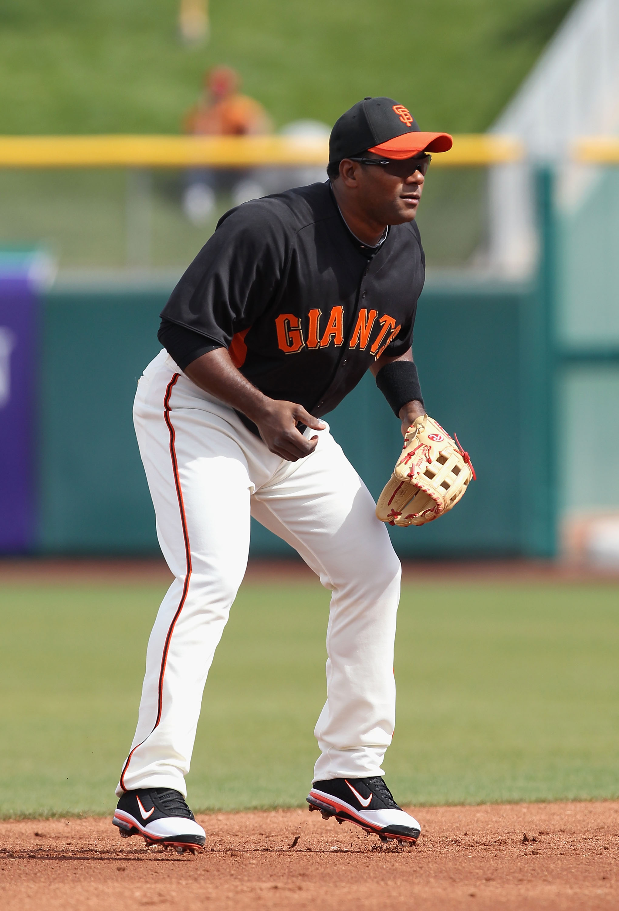 SCOTTSDALE, AZ - MARCH 01:  Infielder Miguel Tejada #10 of the San Francisco Giants in action during the spring training game against the Chicago Cubs at Scottsdale Stadium on March 1, 2011 in Scottsdale, Arizona.  (Photo by Christian Petersen/Getty Image
