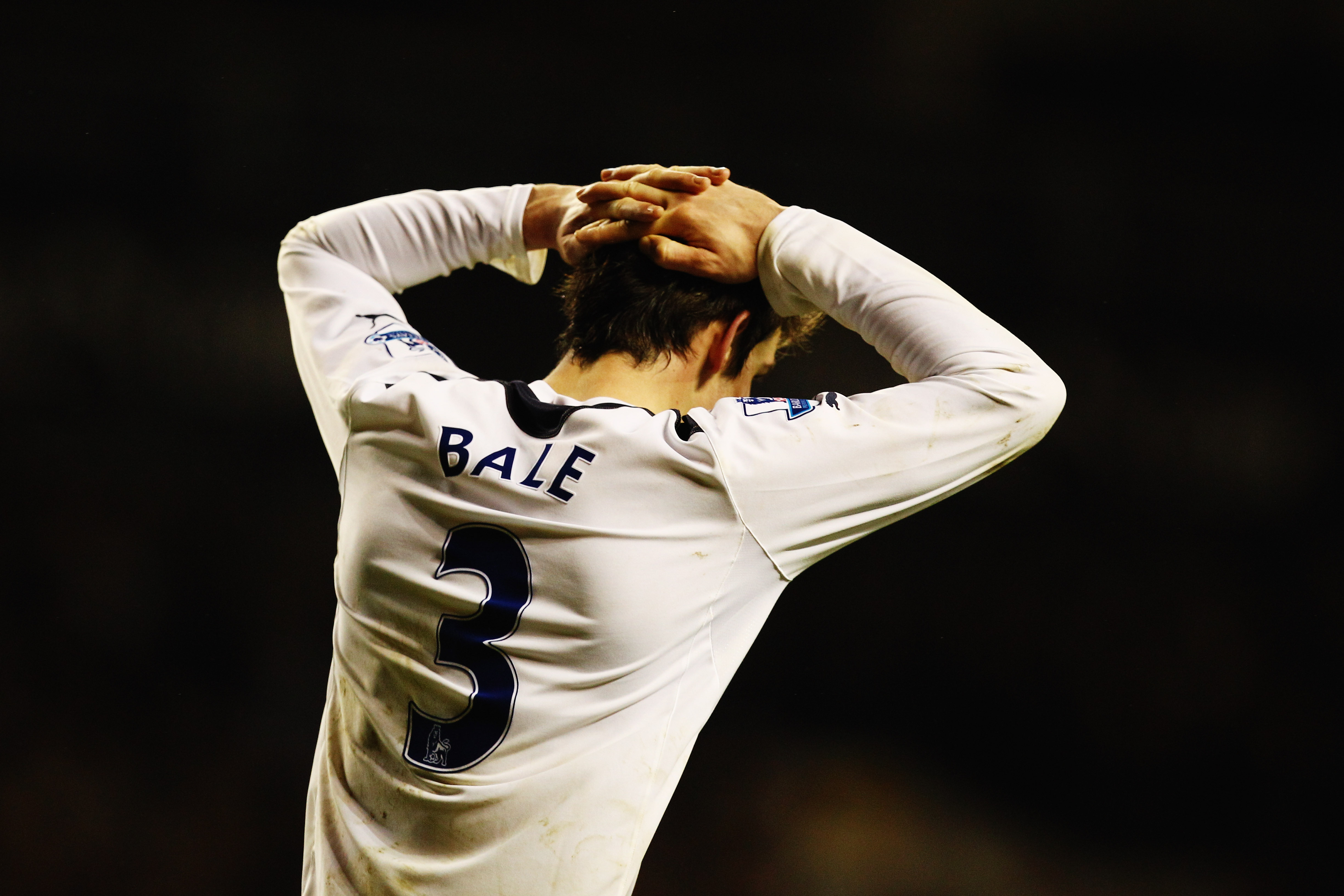 LONDON, UNITED KINGDOM - JANUARY 01:  Gareth Bale of Tottenham Hotspur reacts during the Barclays Premier League match between Tottenham Hotspur and Fulham at White Hart Lane on January 1, 2011 in London, England.  (Photo by Richard Heathcote/Getty Images