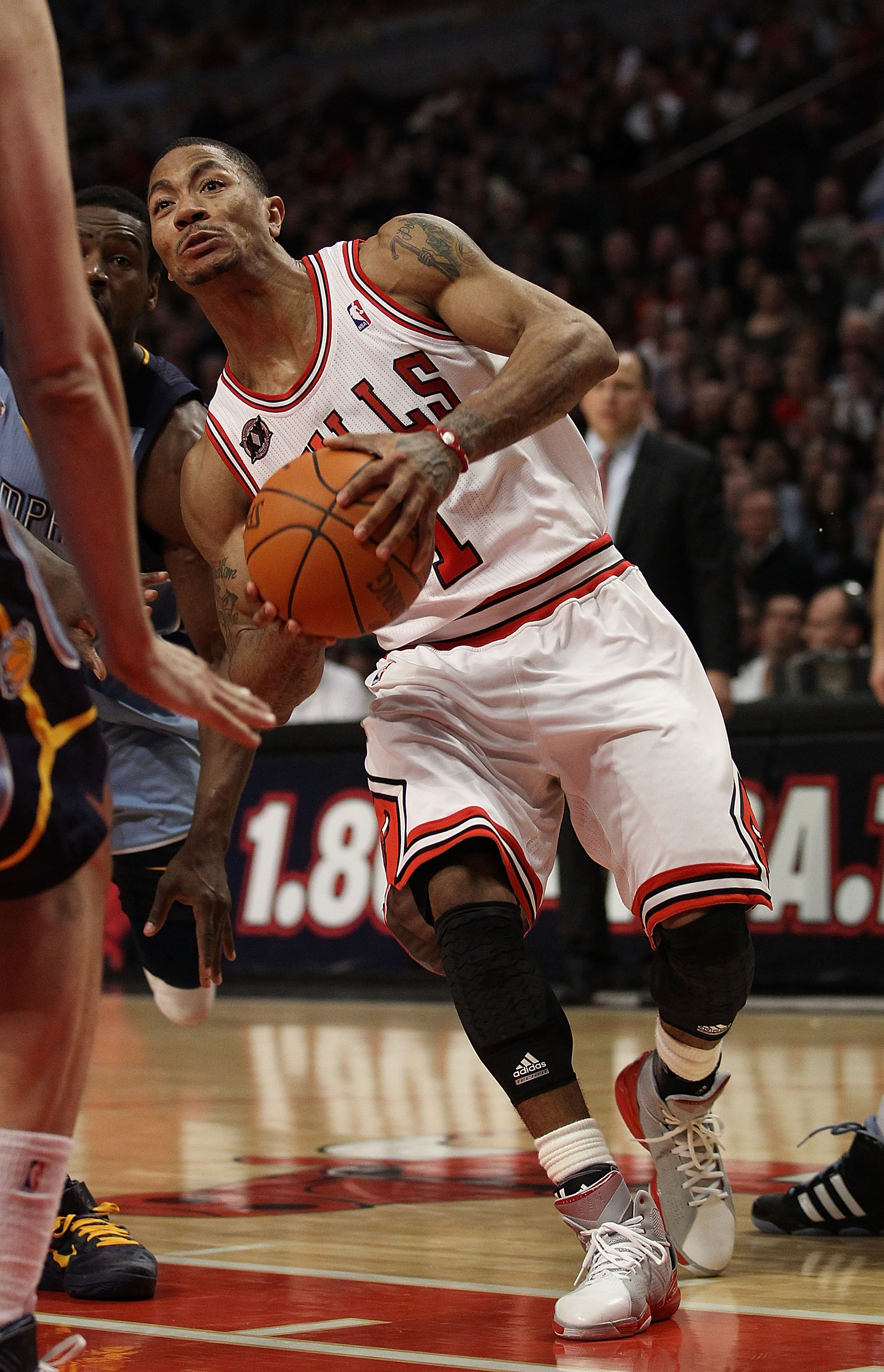 fad620fec536 2011 NBA MVP  5 Myths about Derrick Rose and Why He Is the MVP ...