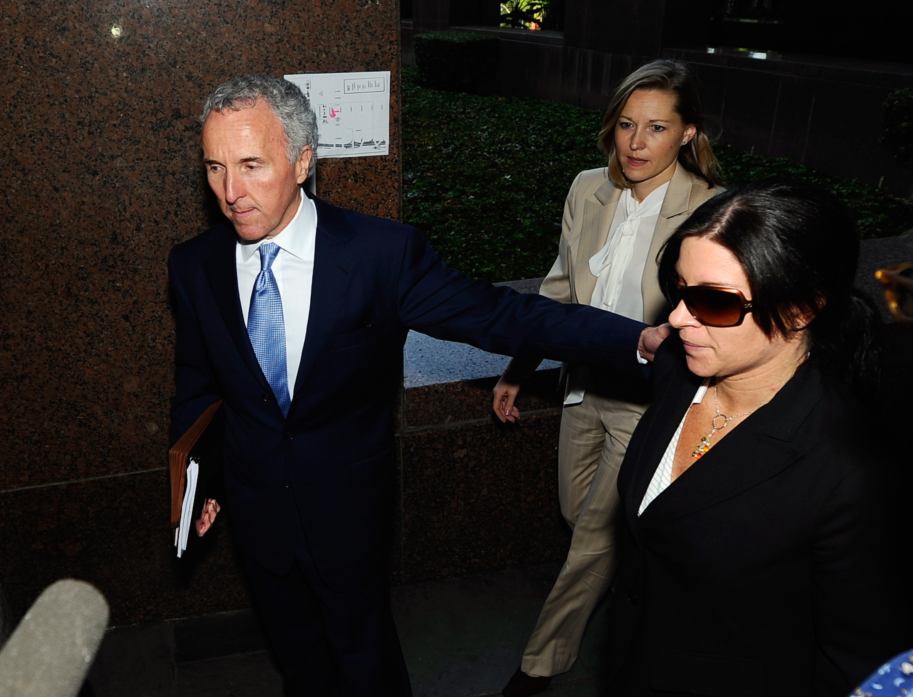 LOS ANGELES, CA - AUGUST 31:  Frank McCourt (L), owner of the Los Angeles Dodgers, at Los Angeles County Superior Court for day two of a non-jury divorce trial on August 31, 2010 in Los Angeles, California. The trial, being presided over by Judge Scott M.