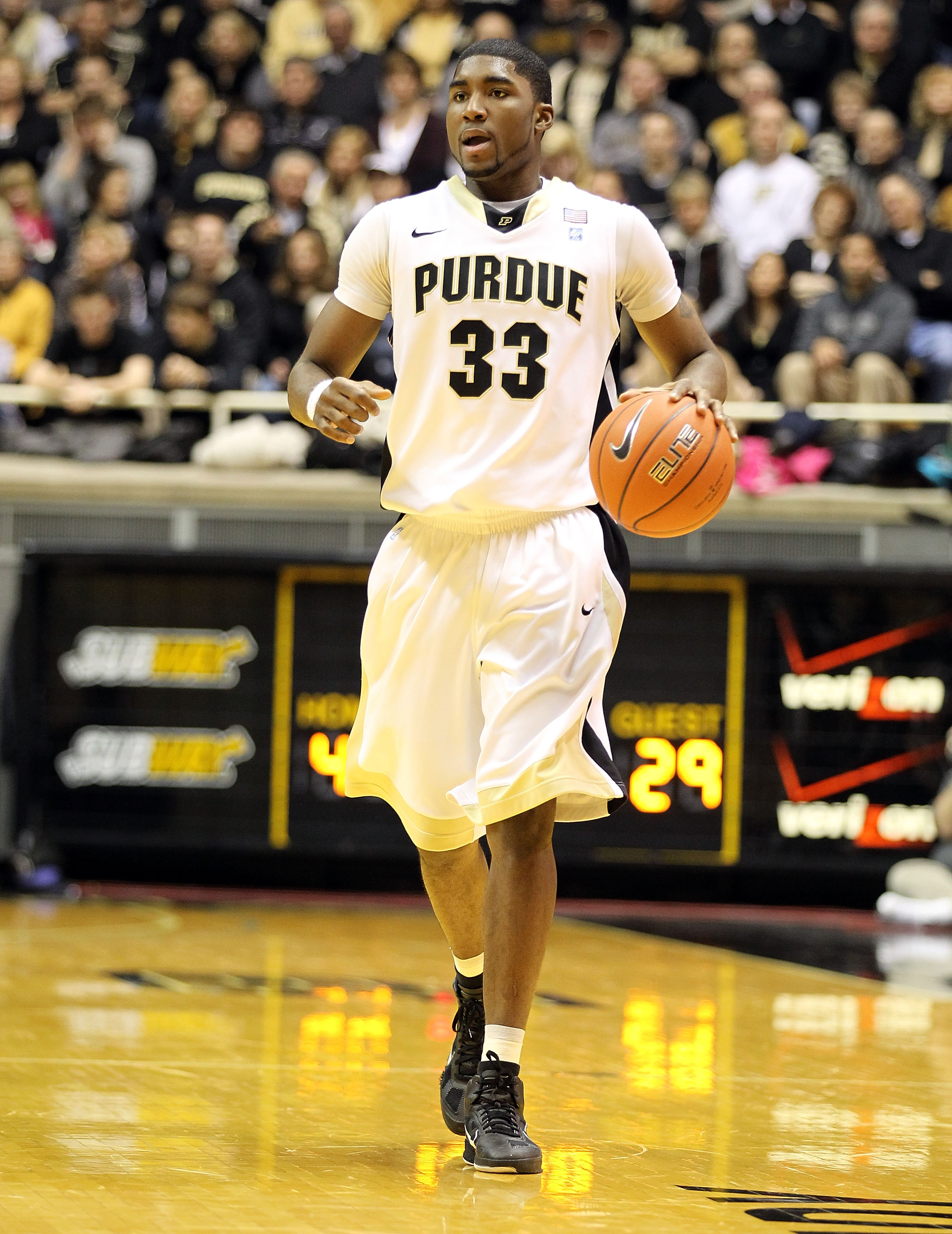 WEST LAFAYETTE, IN - JANUARY 09:  E' Twaun Moore #33 of the Purdue Boilermakers brings the ball up court against the Iowa Hawkeyes during the Big Ten Conference game at Mackey Arena on January 9, 2011 in West Lafayette, Indiana. Purdue won 75-52.  (Photo