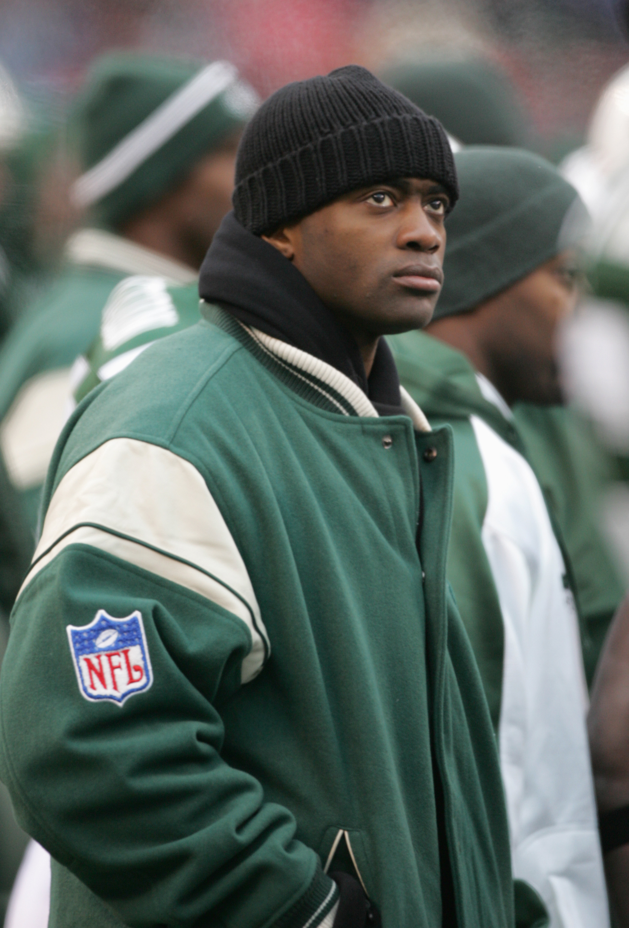 EAST RUTHERFORD, NJ - DECEMBER 11:  Curtis Martin #28 of the New York Jets looks on from the sidelines during the game against the Oakland Raiders on December 18, 2005 at Giants Stadium in East Rutherford, New Jersey.The Jets defeated the Raiders 26-10.(P