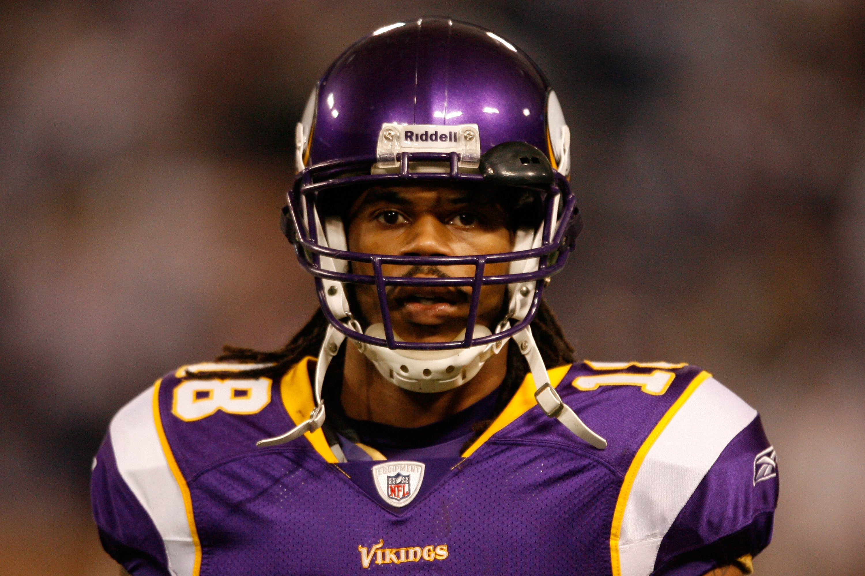 MINNEAPOLIS - JANUARY 17:  Sidney Rice #18 of the Minnesota Vikings looks on before playing against the Dallas Cowboys during the NFC Divisional Playoff Game at Hubert H. Humphrey Metrodome on January 17, 2010 in Minneapolis, Minnesota.  (Photo by Elsa/Ge