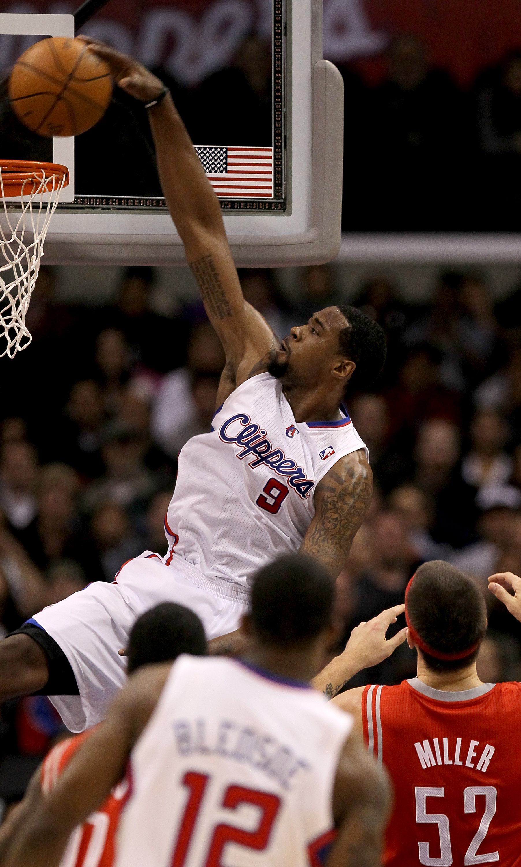 LOS ANGELES, CA - DECEMBER 22:   DeAndre Jordan #9 of the Los Angeles Clippers dunks against the Houston Rockets at Staples Center on December 22, 2010 in Los Angeles, California.  The Rockets won 97-92. NOTE TO USER: User expressly acknowledges and agree