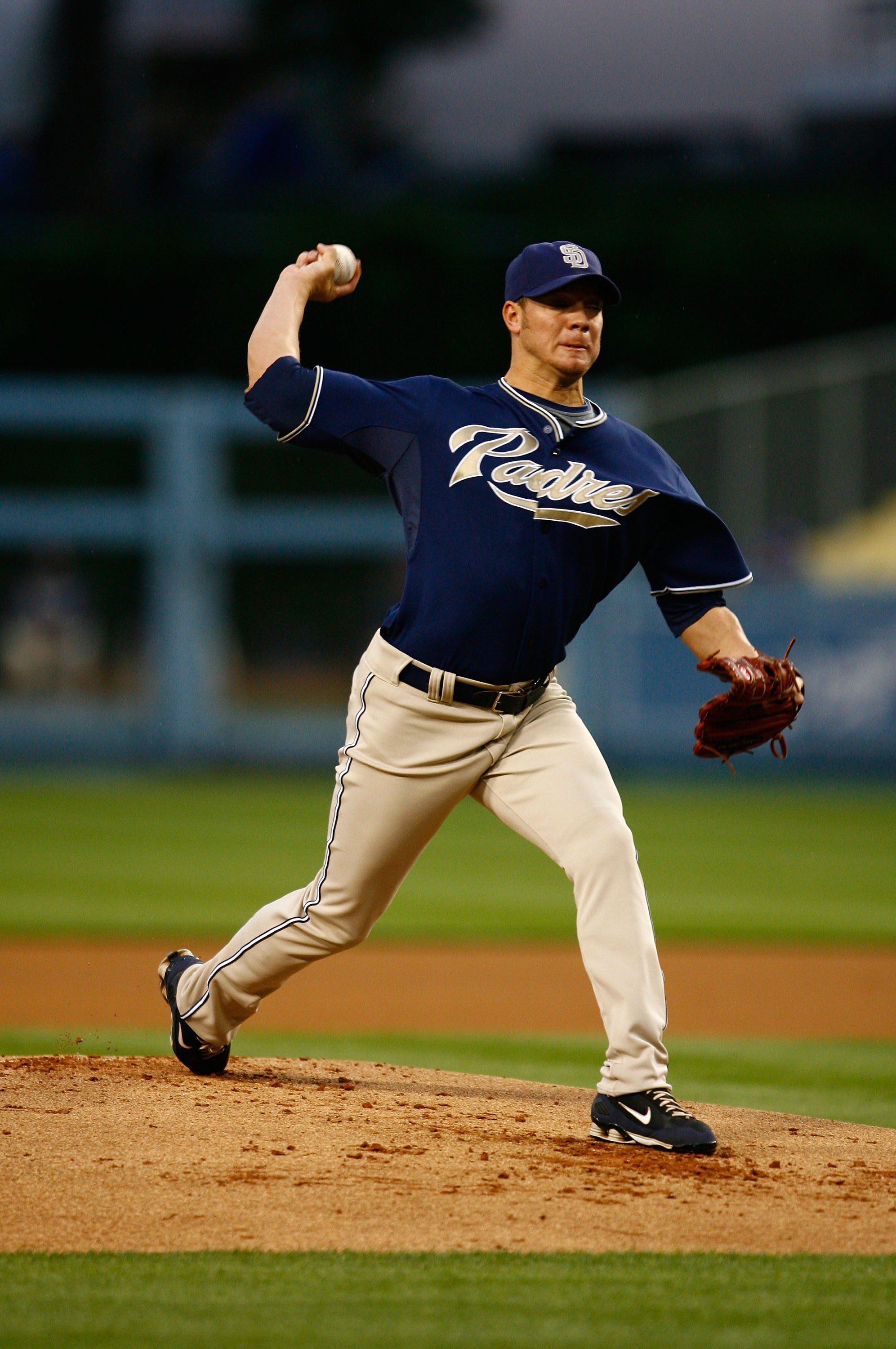 LOS ANGELES, CA - MAY 01:  Jake Peavy #44 of the San Diego Padres throws a pitch against the Los Angeles Dodgers at Dodger Stadium on May 1, 2009 in Los Angeles, California. The Dodgers defeated the Padres 1-0.  (Photo by Jeff Gross/Getty Images)