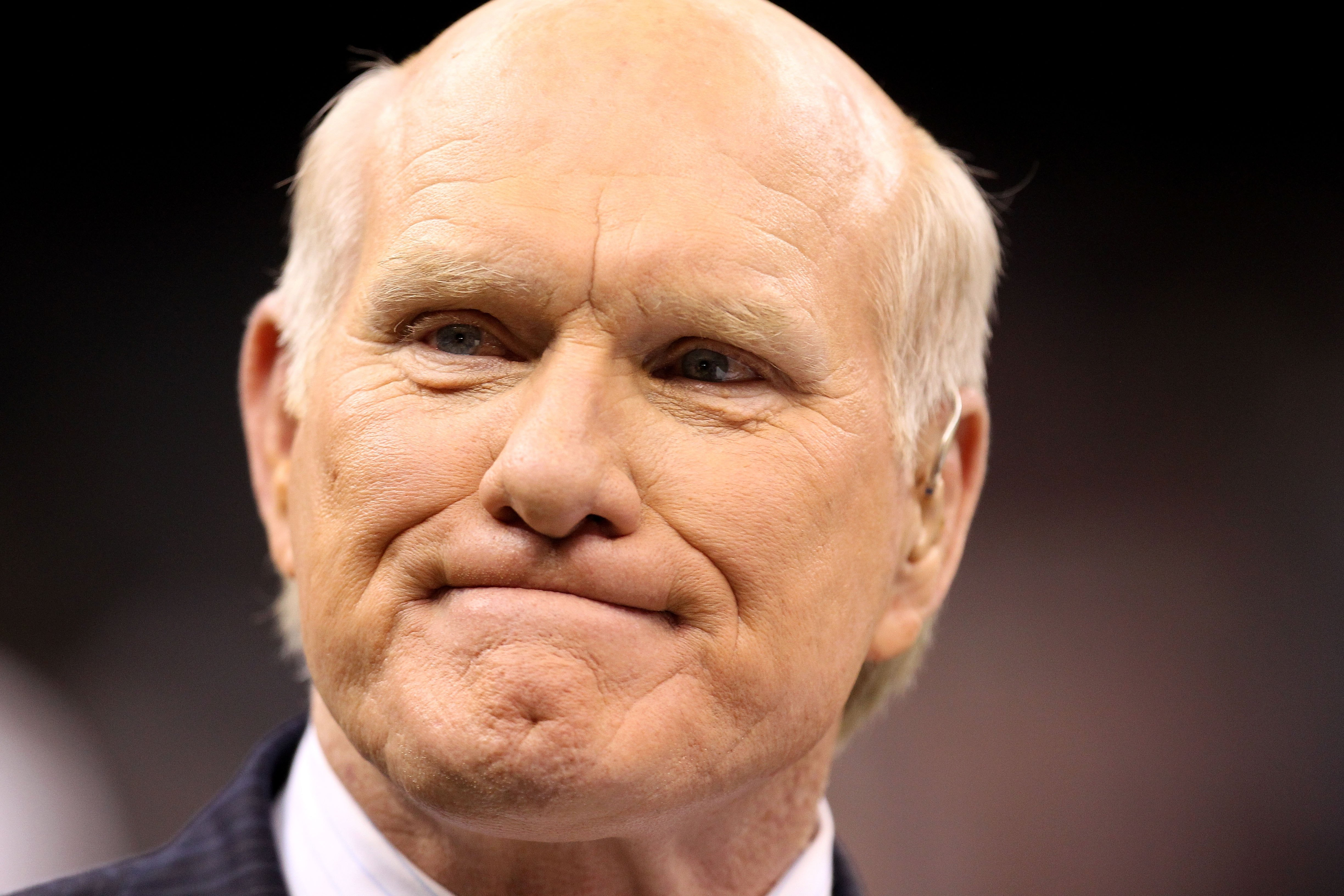 NEW ORLEANS - JANUARY 24:  Hall of Fame quarterback and current Fox Sports football analyst Terry Bradshaw looks on as the New Orleans Saints play against the Minnesota Vikings during the NFC Championship Game at the Louisiana Superdome on January 24, 201