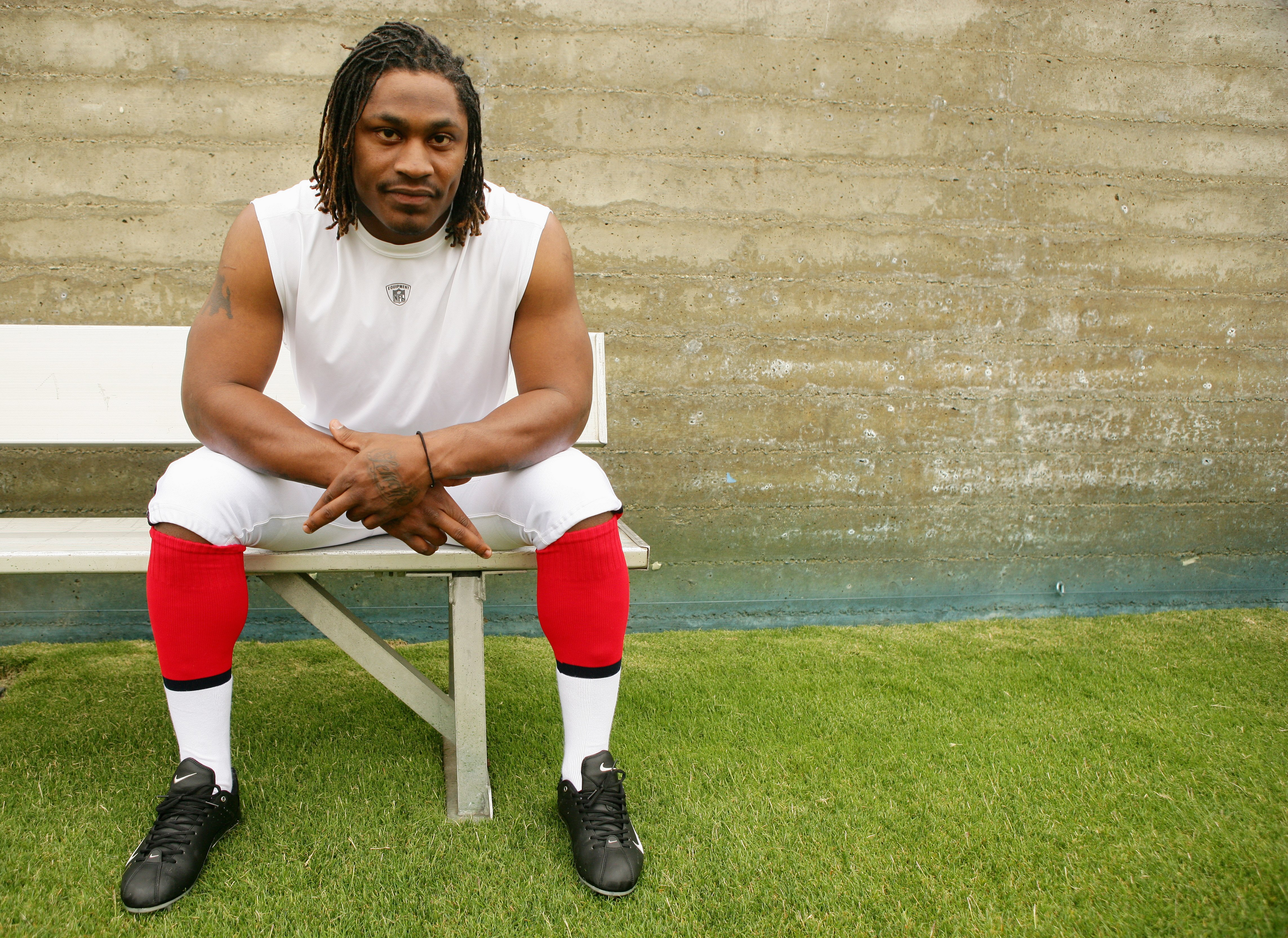 LOS ANGELES, CA - MAY 19: Running back, Marshawn Lynch #23 of the Buffalo Bills poses for a portrait at the 2007 NFL Players Rookie Premiere on May 19, 2007 at the Los Angeles Memorial Coliseum in Los Angeles, California. (Photo by Nick Laham/Getty Images