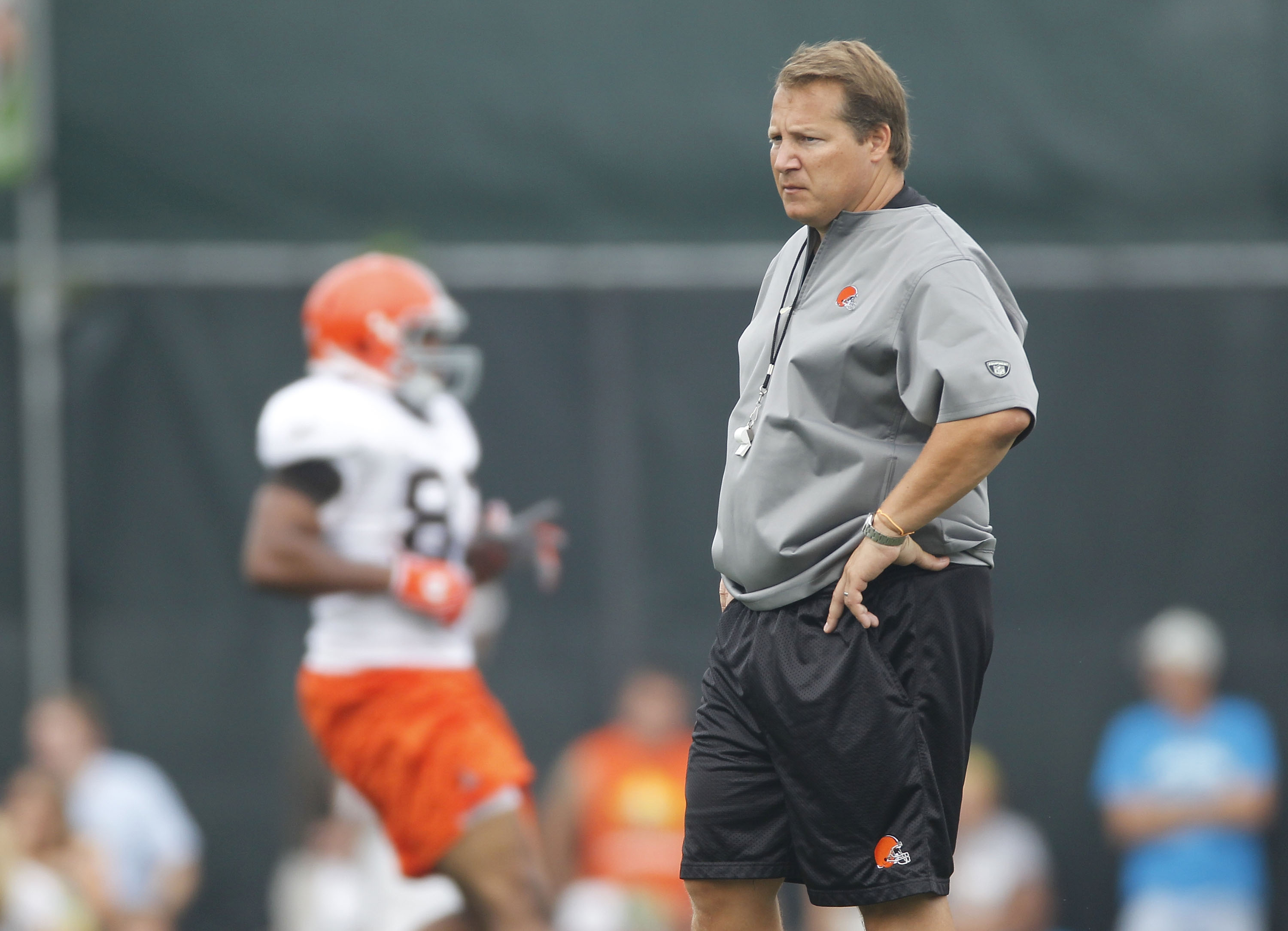 BEREA, OH - AUGUST 04:  Head coach Eric Mangini of the Cleveland Browns looks on during training camp at the Cleveland Browns Training and Administrative Complex on August 4, 2010 in Berea, Ohio.  (Photo by Gregory Shamus/Getty Images)