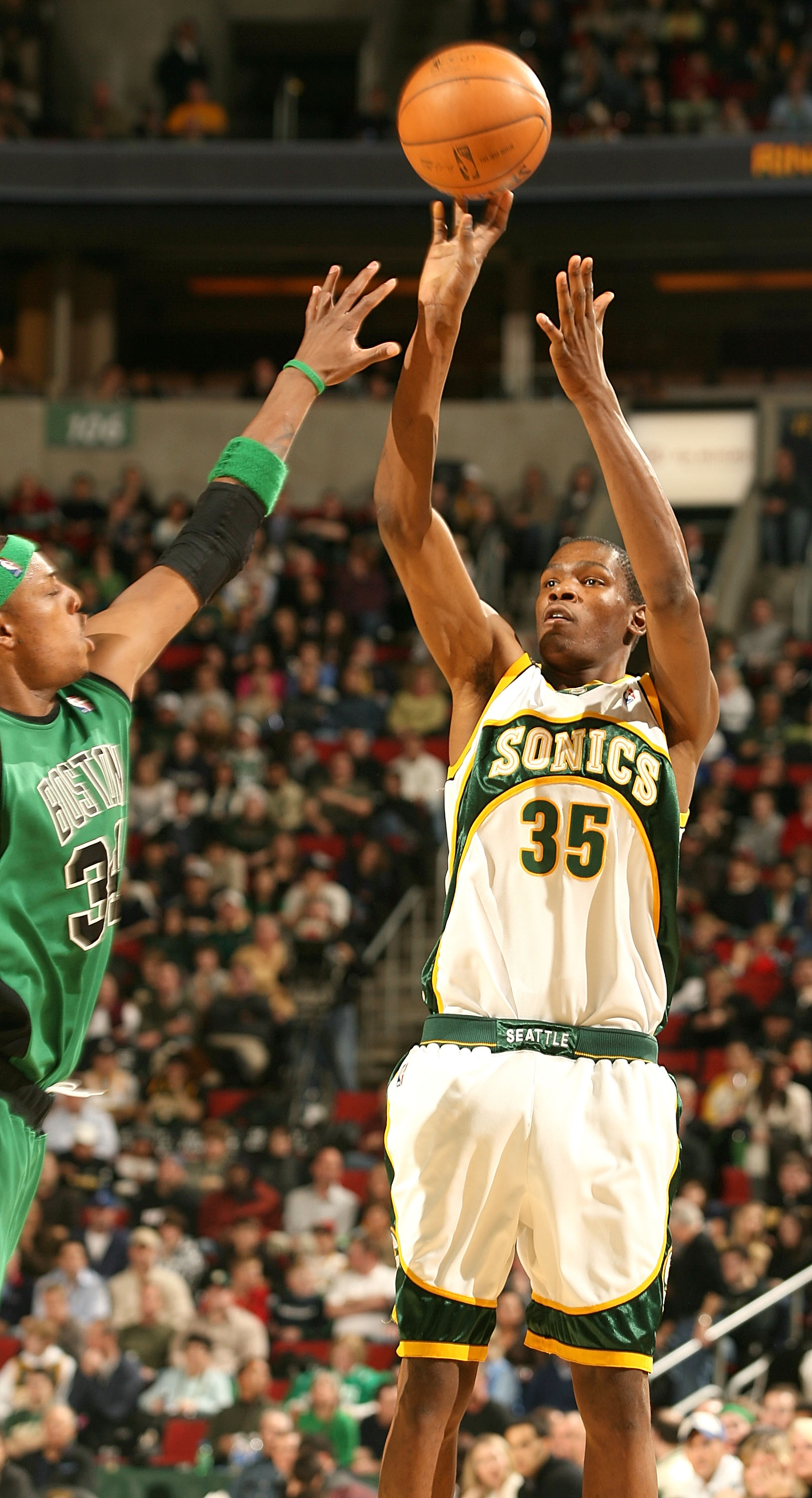 SEATTLE - DECEMBER 27:  Kevin Durant #35 of the Seattle SuperSonics shoots against Paul Pierce #34 of the Boston Celtics at Key Arena December 27, 2007 in Seattle, Washington. The Celtics defeated the Sonics 104-96. (Photo by Otto Greule Jr/Getty Images)