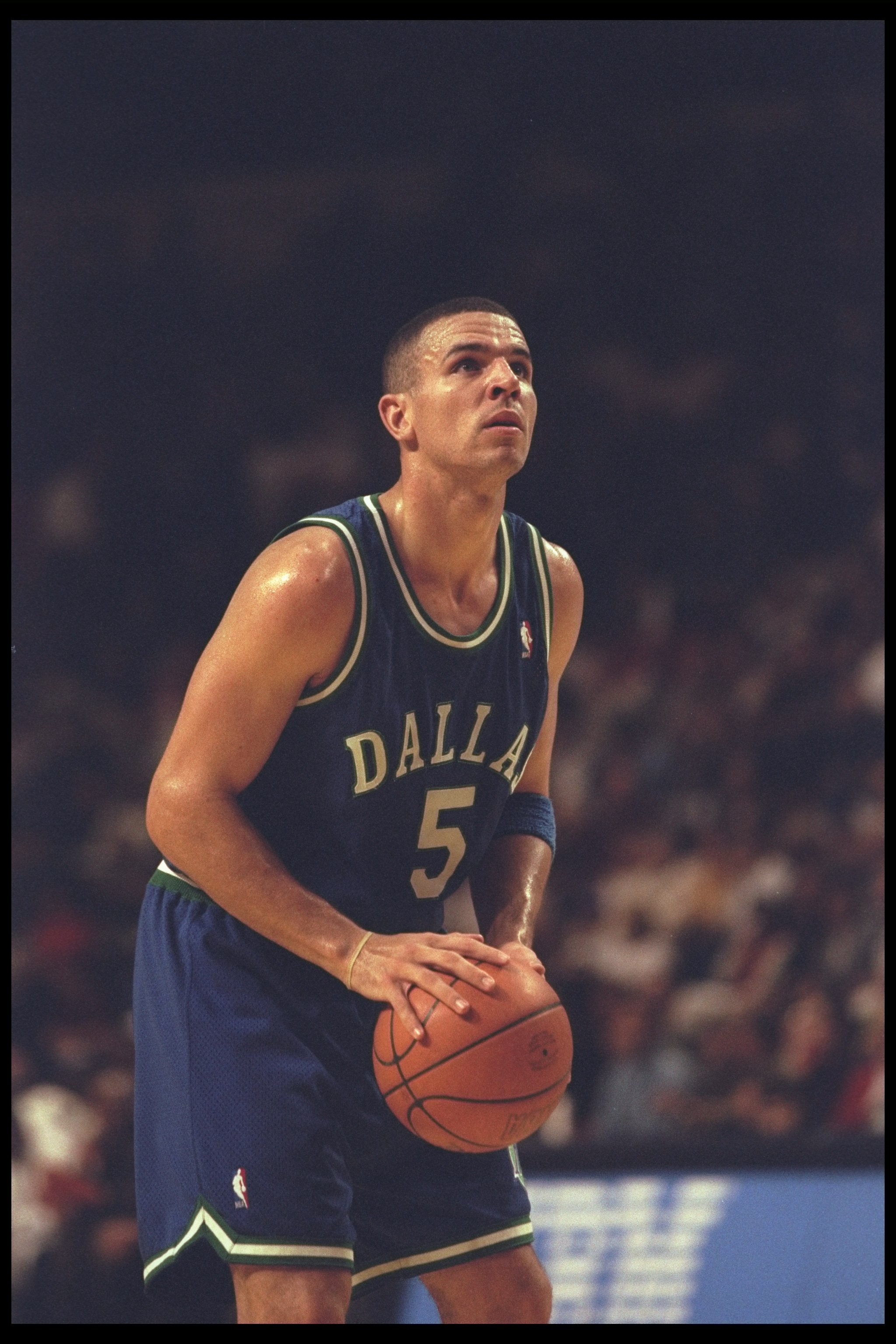 22 Dec 1995:  Guard Jason Kidd of the Dallas Mavericks prepares to shoot against the Indiana Pacers during a game played at the Market Square Arena in Indianapolis, Indiana.  The Pacers won the game, 90-79. Mandatory Credit: ALLSPORT USA  /Allsport