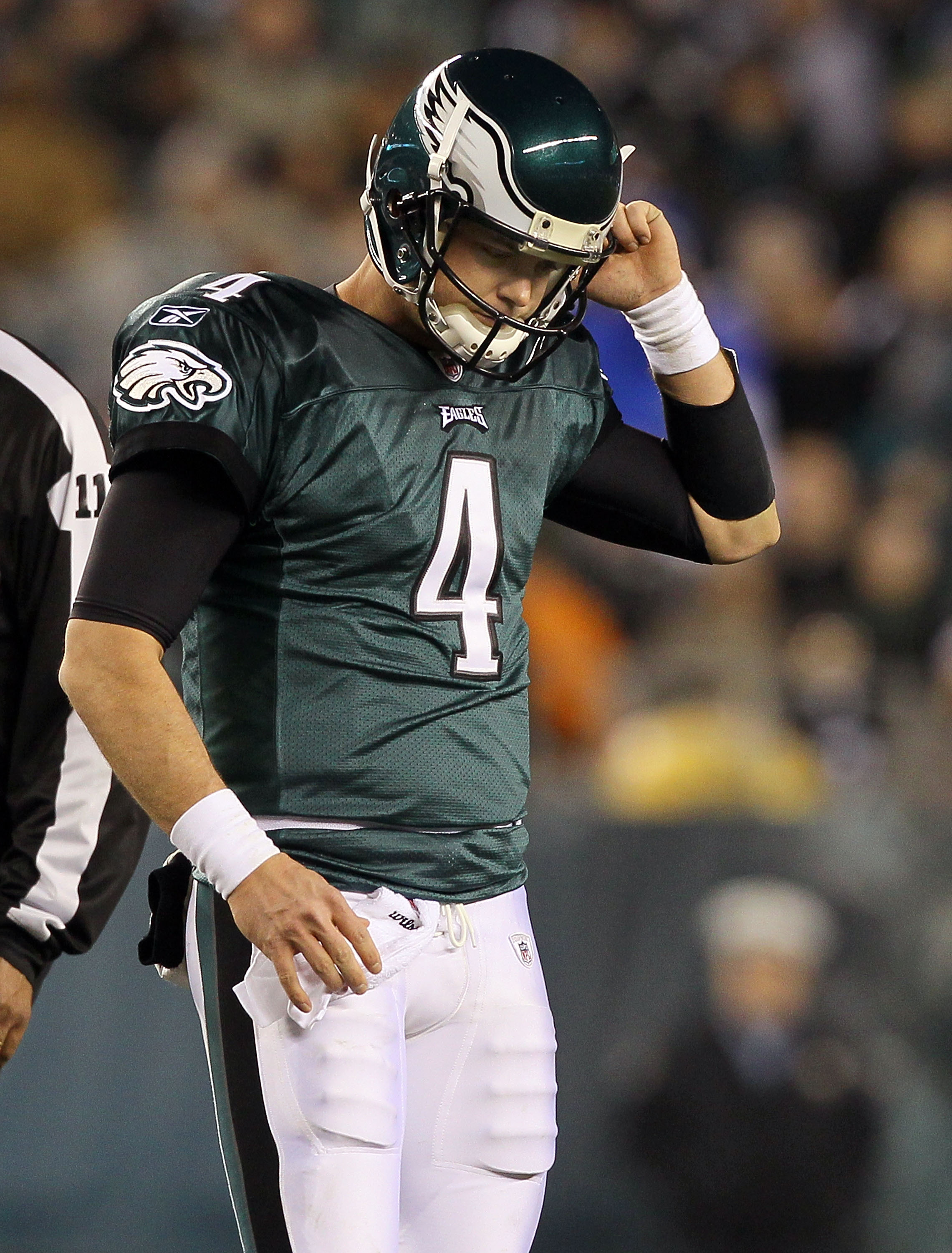 PHILADELPHIA, PA - JANUARY 02:  Kevin Kolb #4 of the Philadelphia Eagles looks on against the Dallas Cowboys on January 2, 2011 at Lincoln Financial Field in Philadelphia, Pennsylvania.  (Photo by Jim McIsaac/Getty Images)