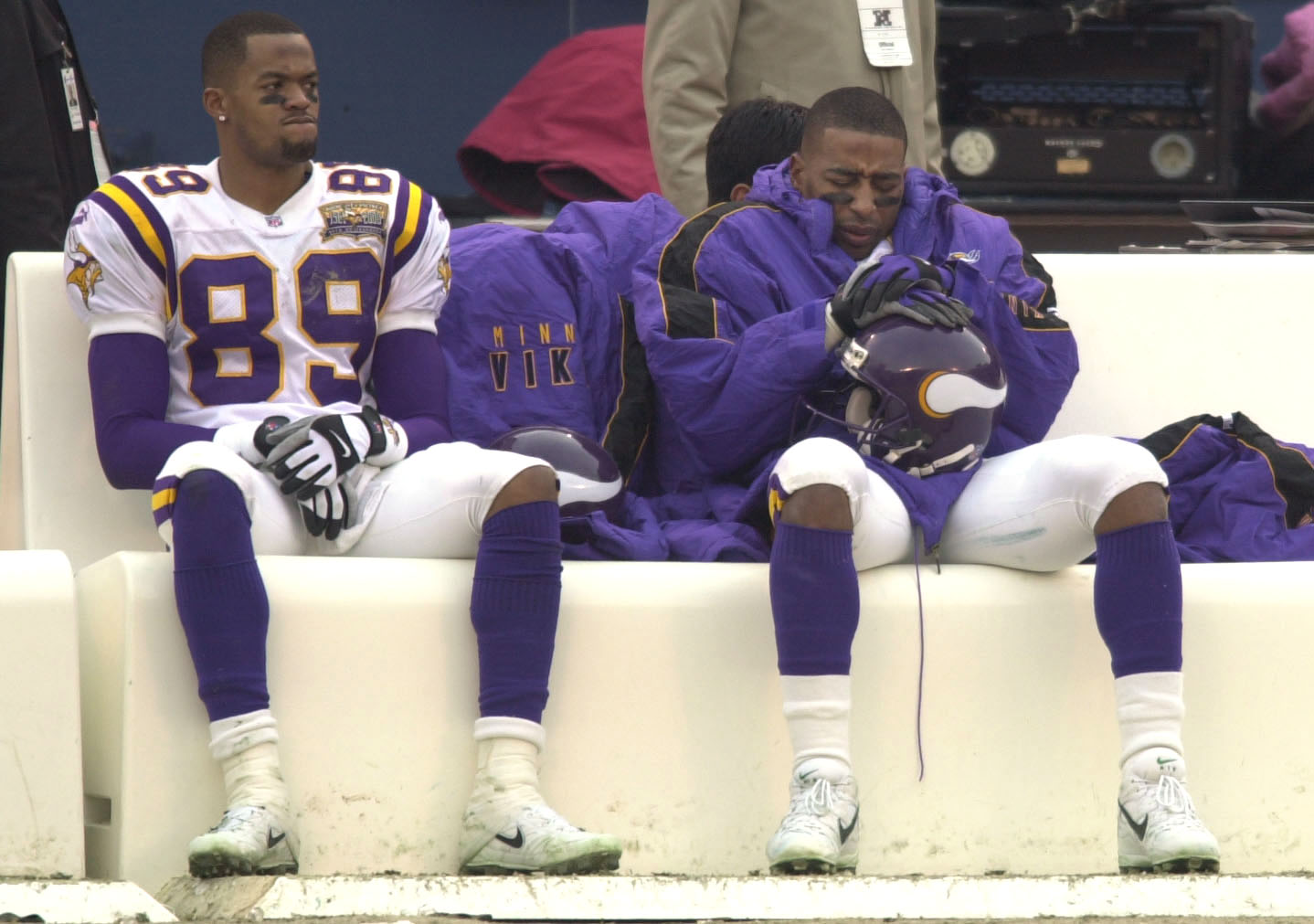 14 Jan 2001: Matthew Hatchette #89 and Cris Carter #80 of the Minnesota Vikings look dejected during the closing moments of the NFC Championship Game against the New York Giants at Giant Stadium in East Rutherford, New Jersey. New York Giants won 41-0. <D
