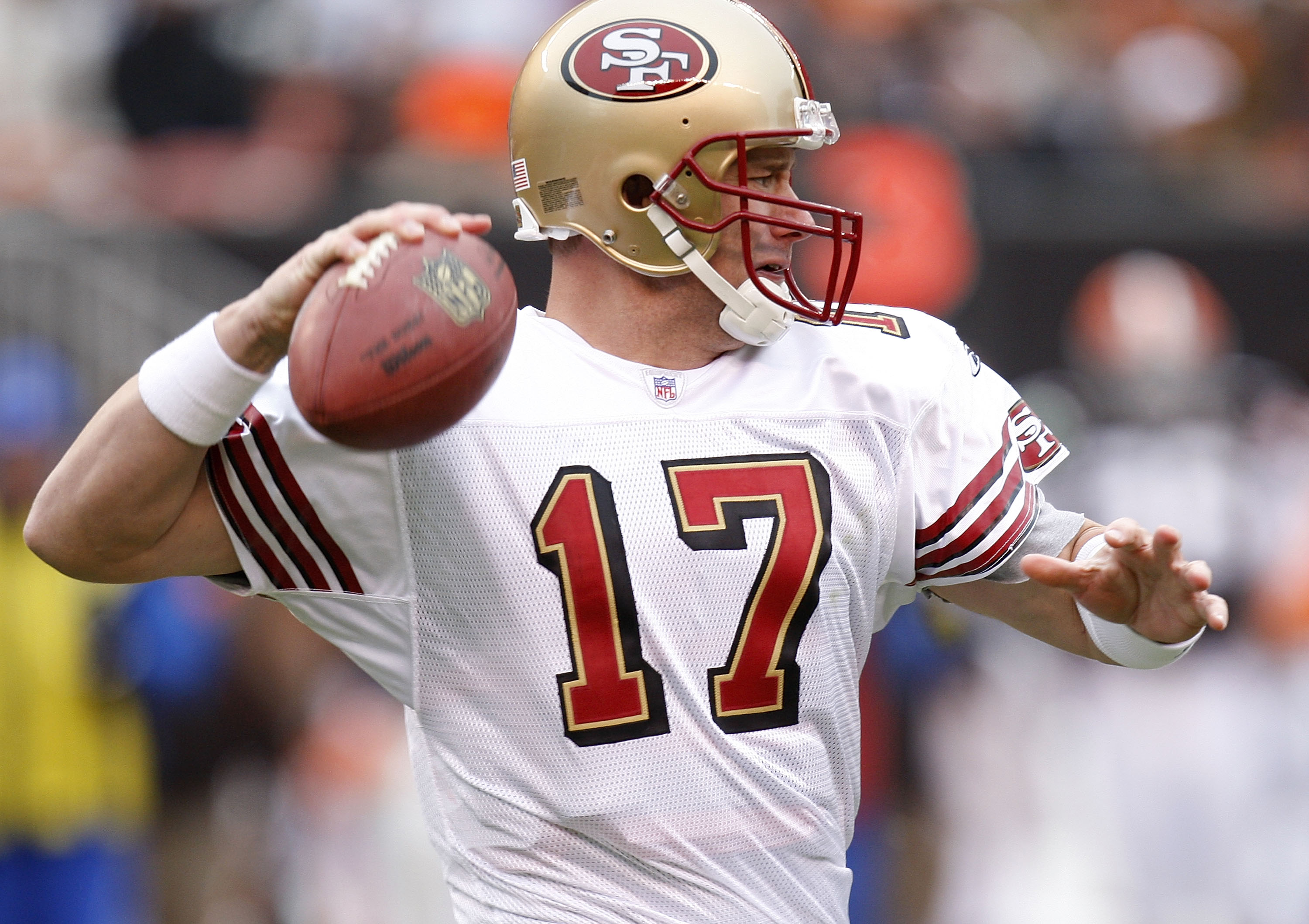 CLEVELAND - DECEMBER 30: Chris Weinke #17 of the San Francisco 49ers throws a second quarter pass against the Cleveland Browns on December 30, 2007 at Cleveland Browns Stadium in Cleveland, Ohio. (Photo By Gregory Shamus/Getty Images)